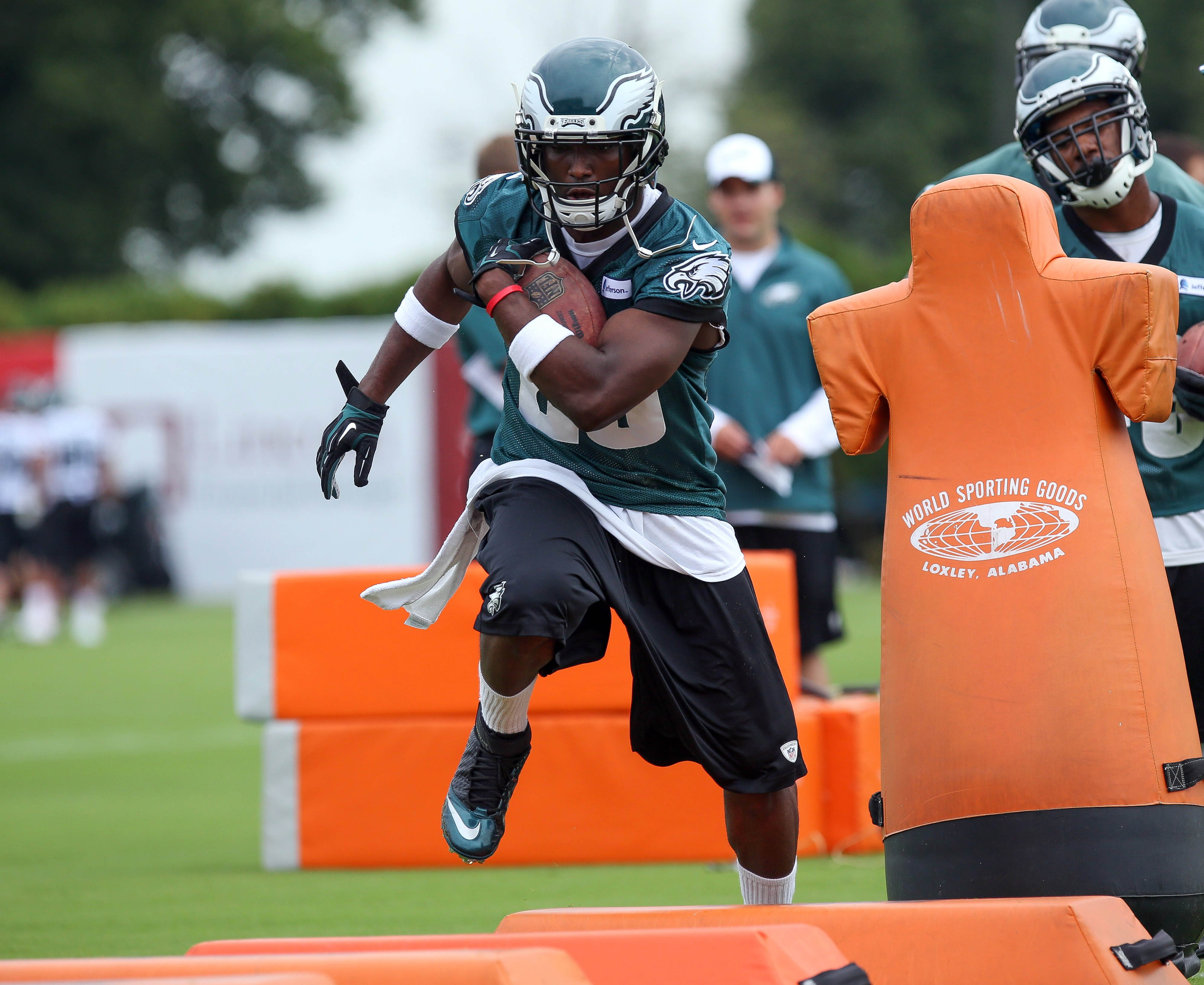 Inch by inch, Eagles gearing up for actual football season