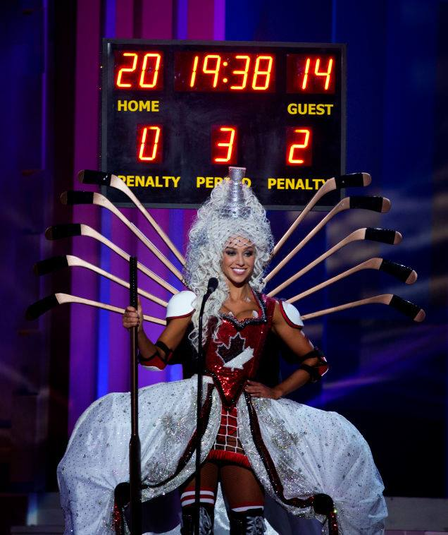 Miss Canada hockey outfit Miss Universe
