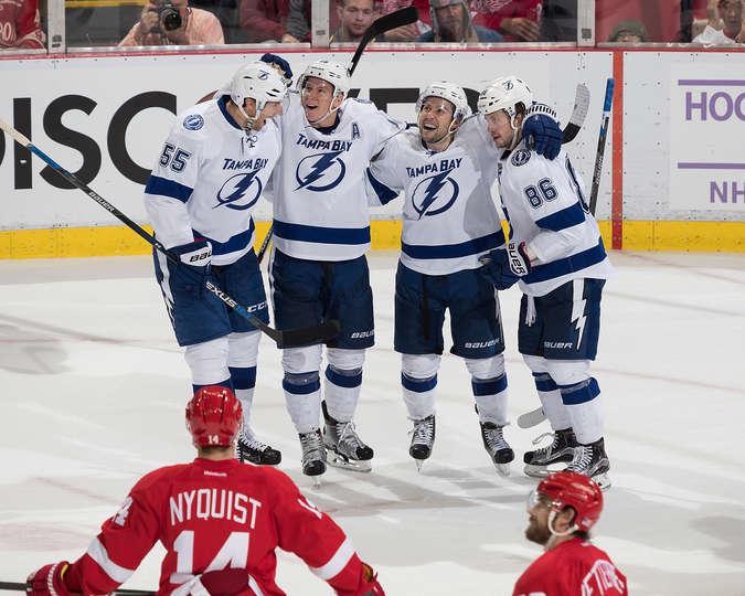 Game 17 Recap: Lightning Beat Red Wings 4-3 - Lose Stamkos To Injury