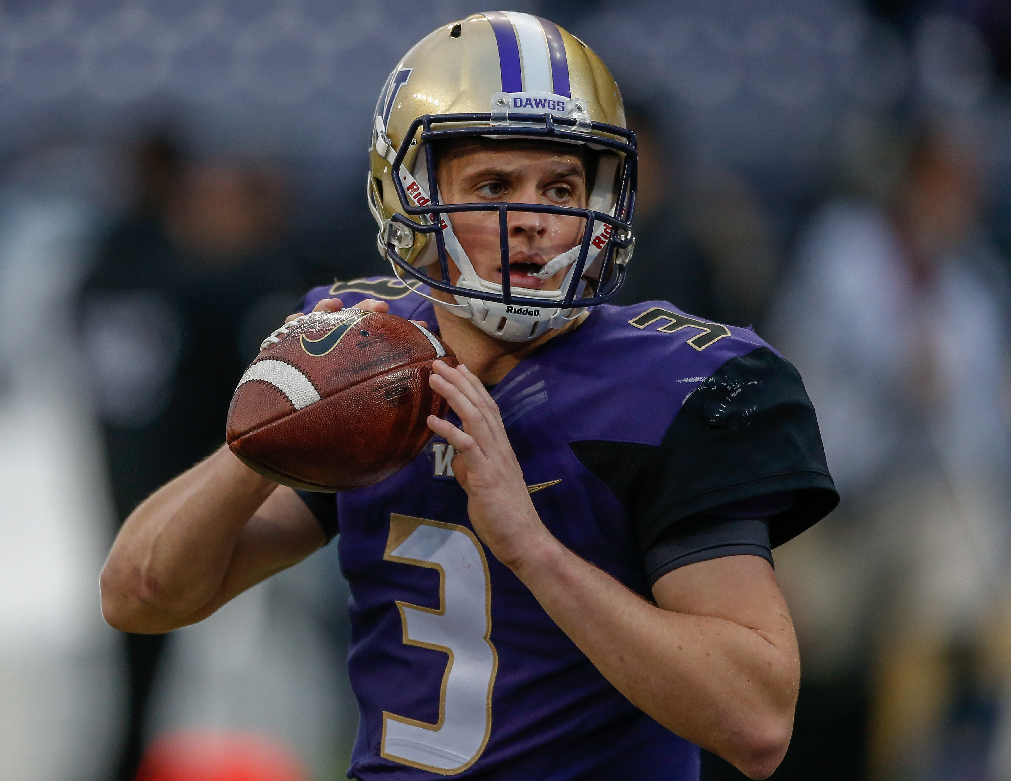 WATCH: Huskies Strike First With Browning TD Pass