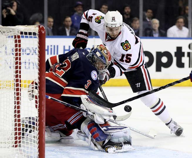 Blackhawks Defeat Rangers in Rematch