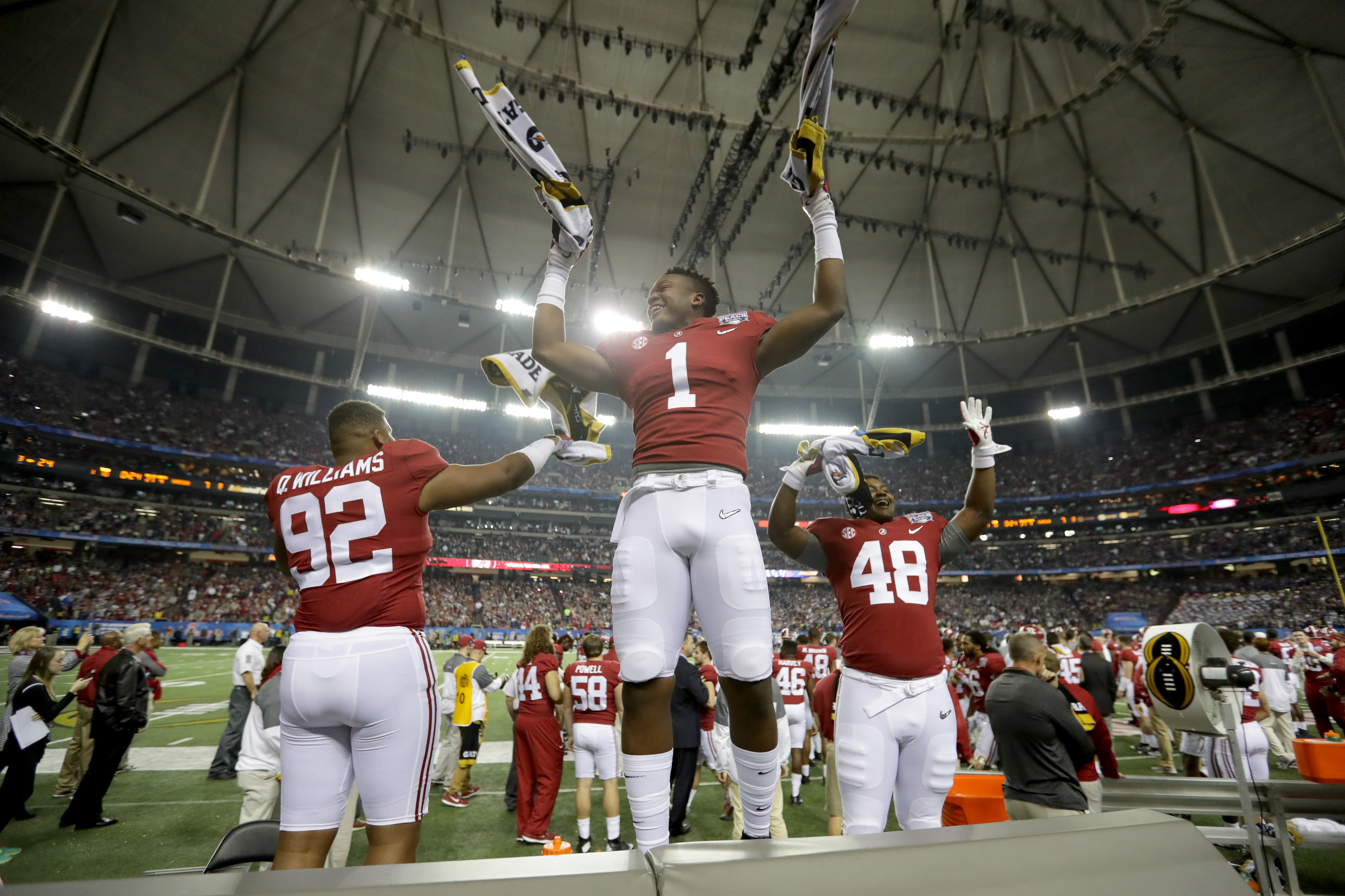 Alabama players refuse to shake hands with Washington players