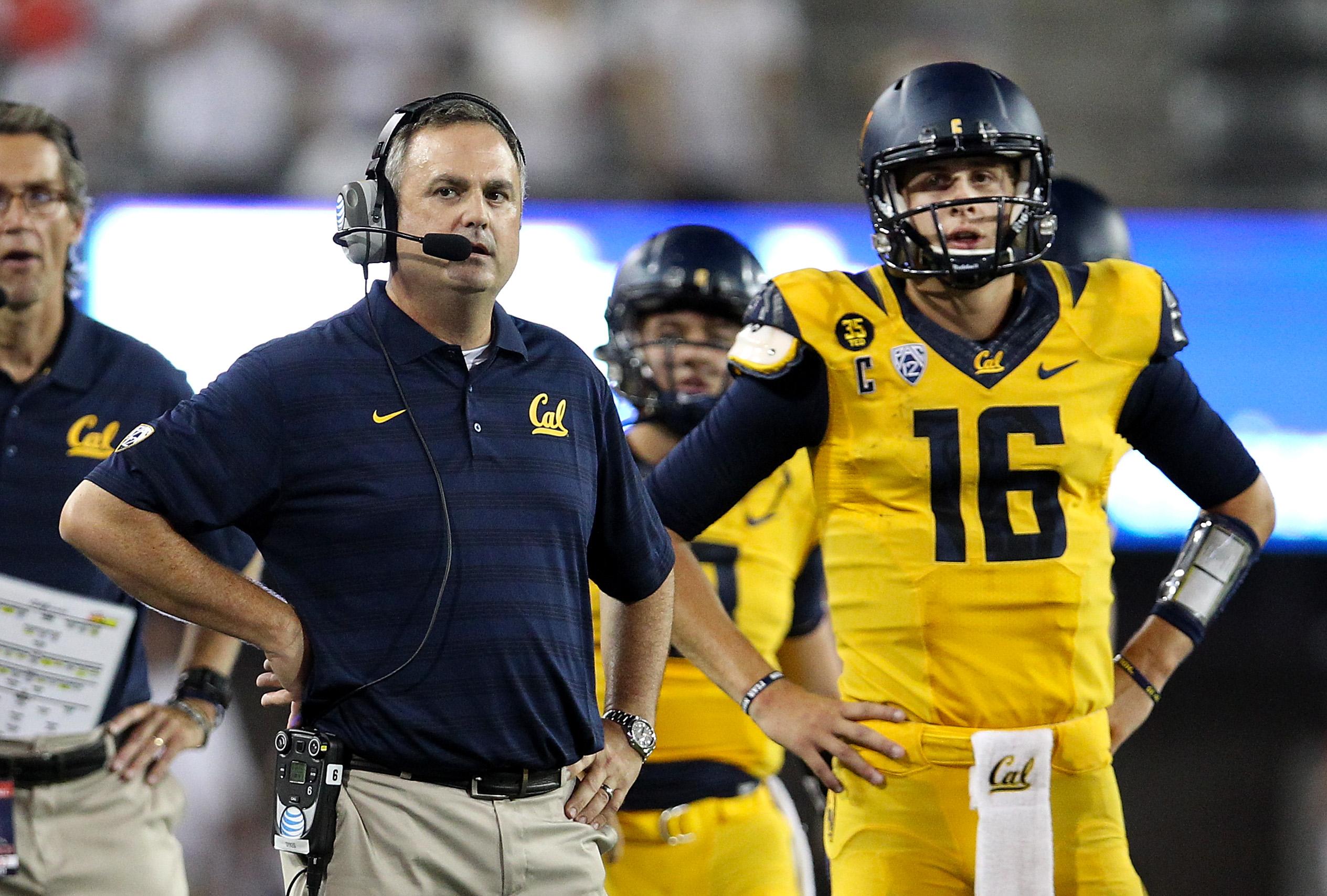 University of California fires football coach Sonny Dykes