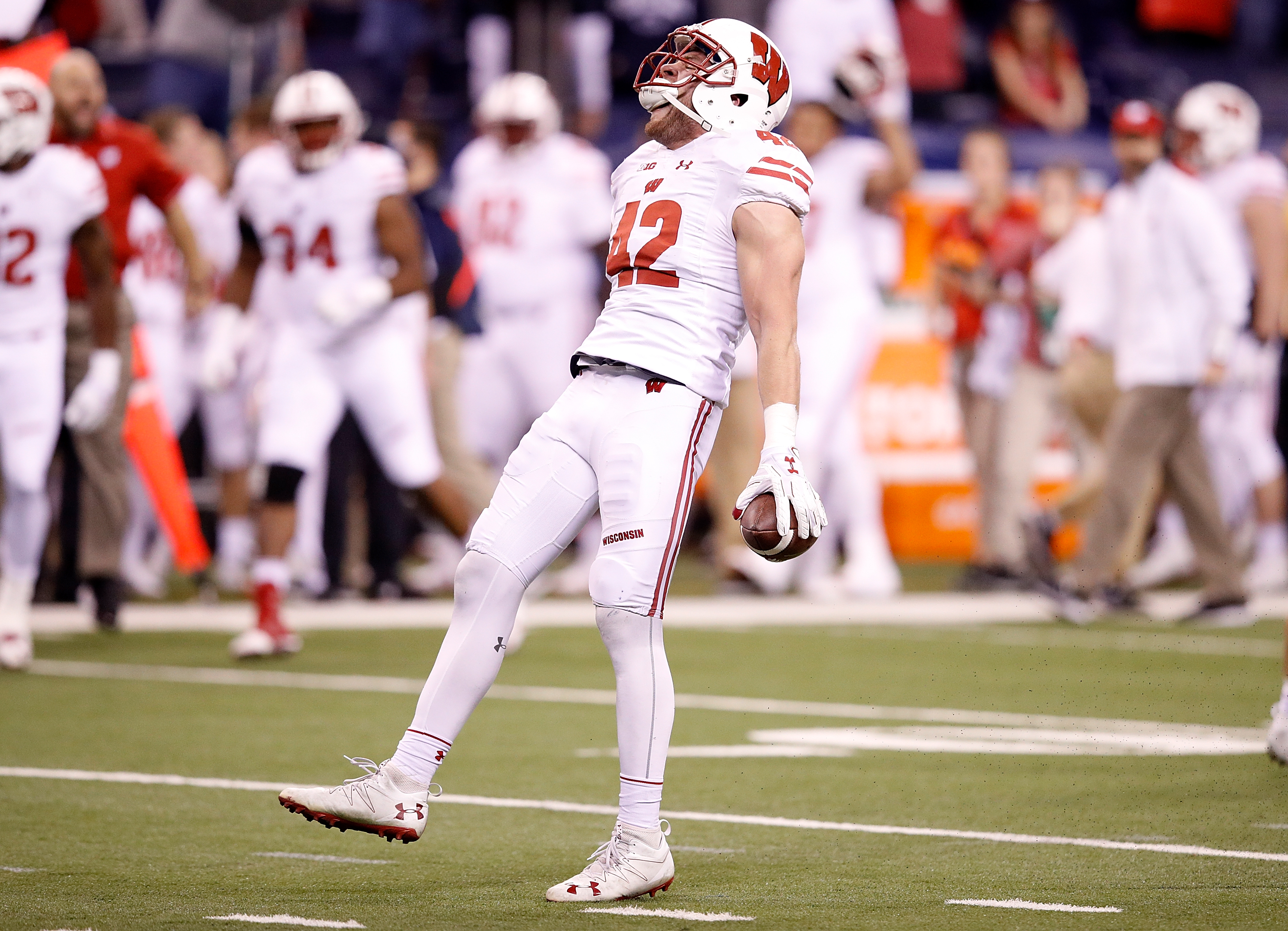 Cotton Bowl Classic Preview: UW Looking to End Western Michigan's Unbeaten Season