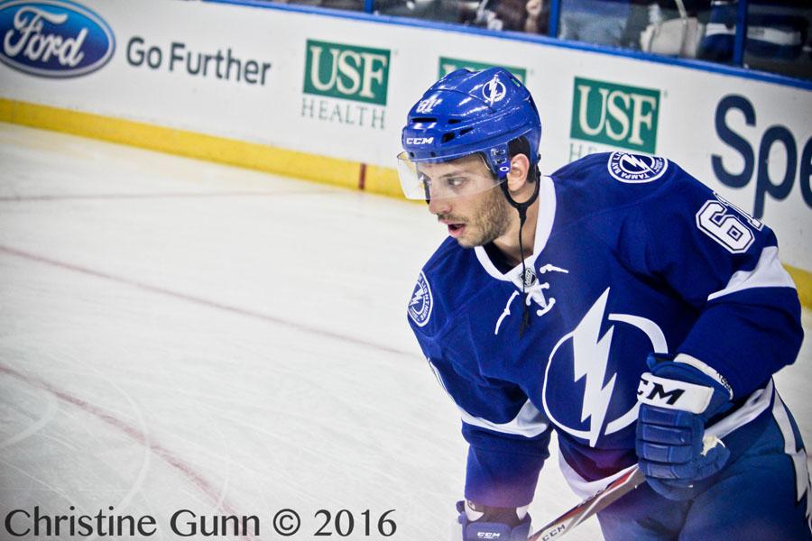 Tampa Bay Lightning re-sign forward Gabriel Dumont