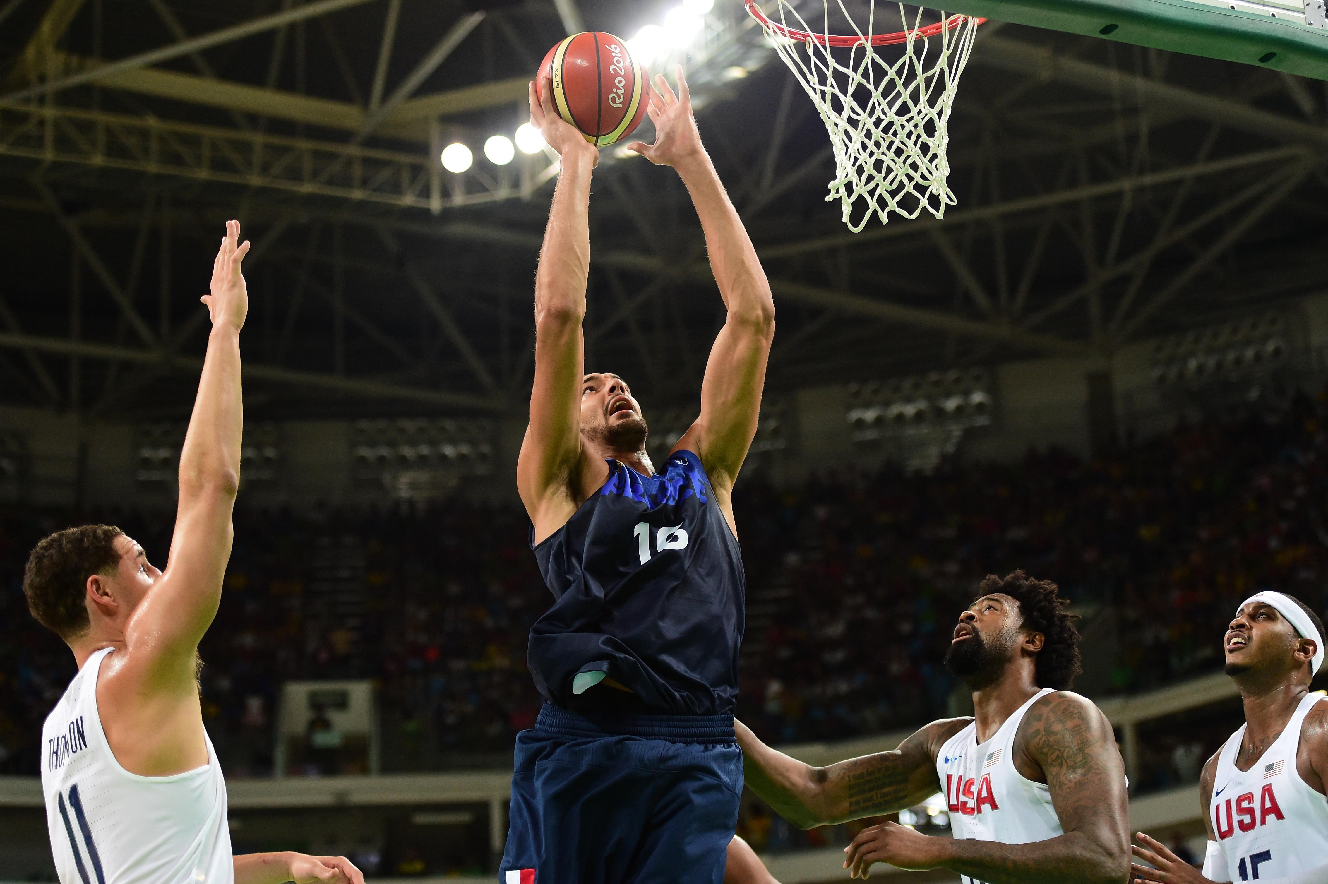 Los Angeles Clippers: Should L.A. trade DeAndre Jordan?