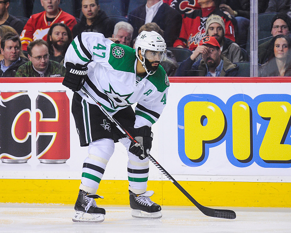Blackhawks bring back Oduya in trade with Stars