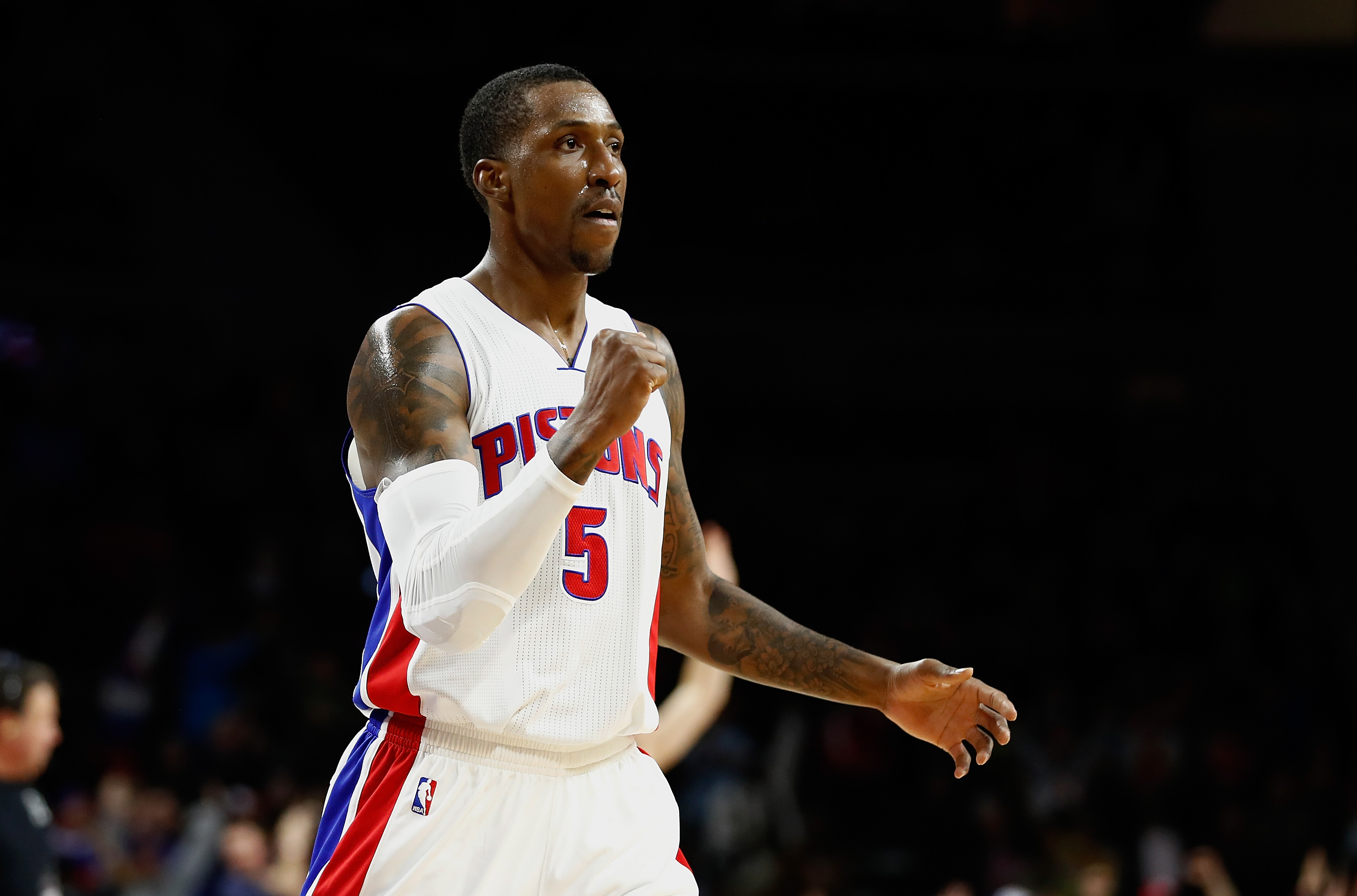 Caldwell Pope signs with Lakers