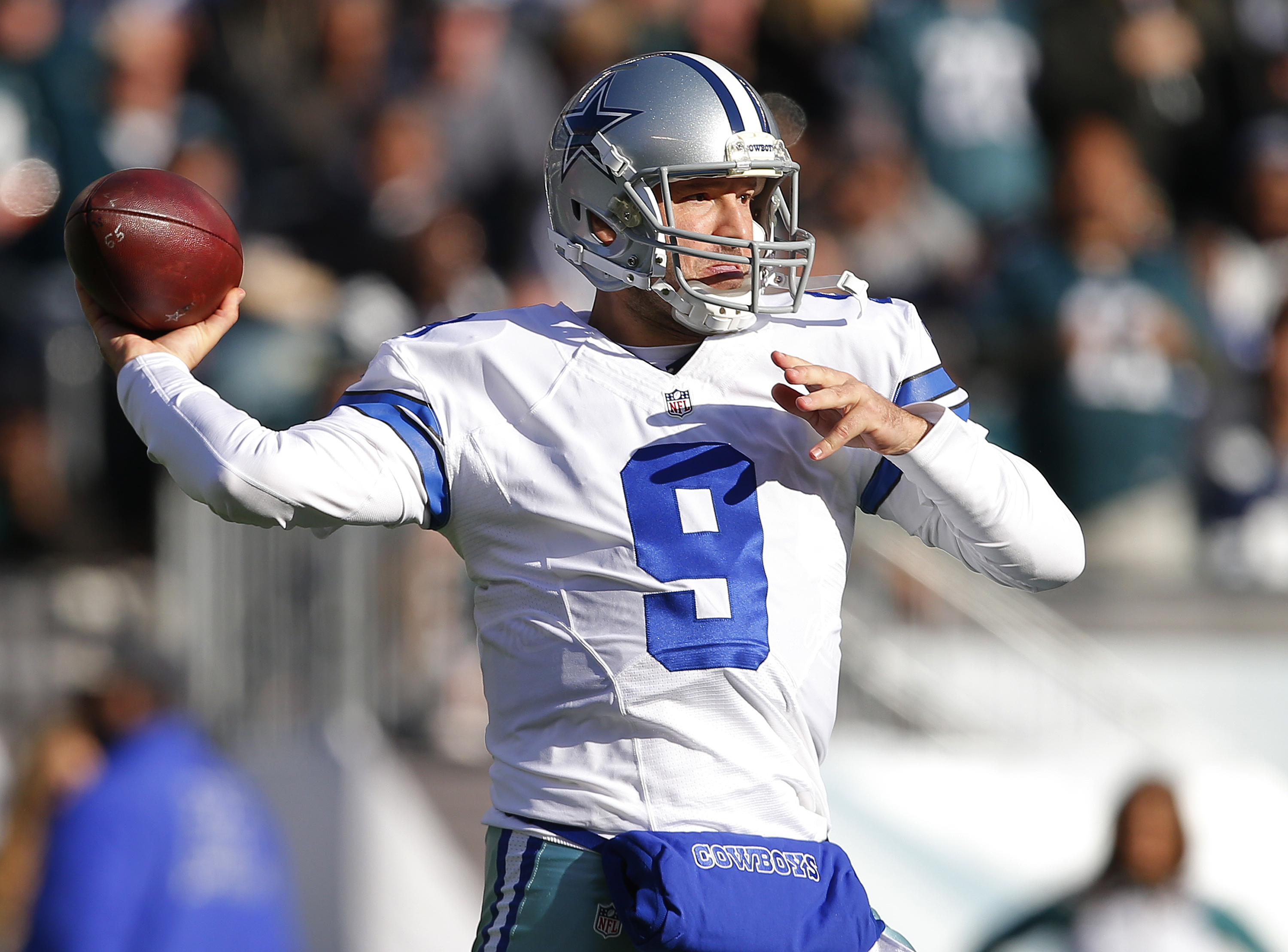 Cowboys rescind Romo release, now trying to trade him