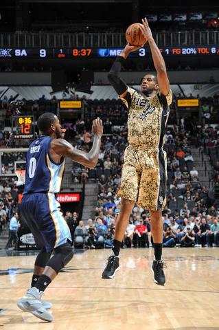 Aldridge stays hot as Spurs finally stop Grizzlies