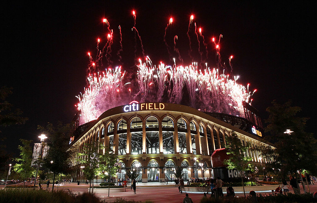 NEW YORK, NY - JULY 15: Fireworks explode over Citi Field after the New York Mets lost to the Philadelphia Phillies on July 15, 2011 in the Flushing neighborhood of the Queens borough of New York City. (Photo by Jim McIsaac/Getty Images)