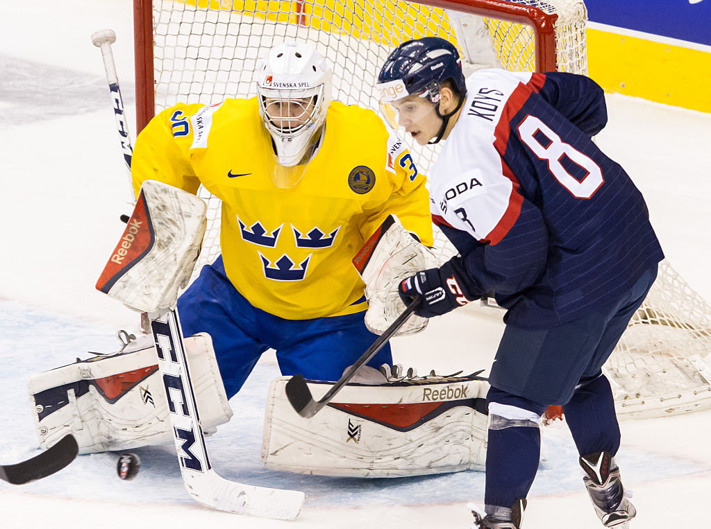 Linus Soderstrom Signs Entry-Level Deal with Islanders