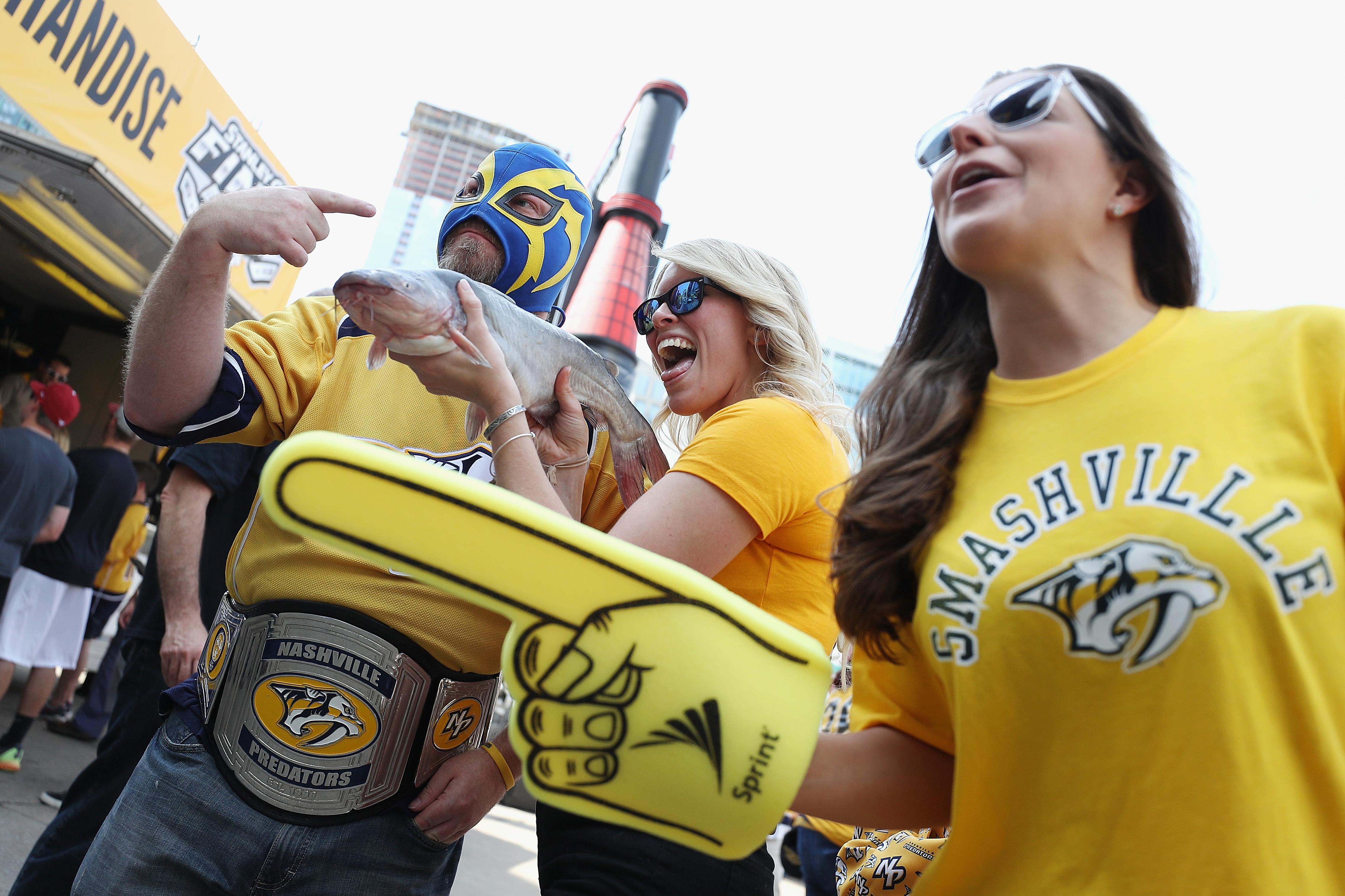 Newsflash: Good Hockey Crowds Like Good Teams by @evancdent
