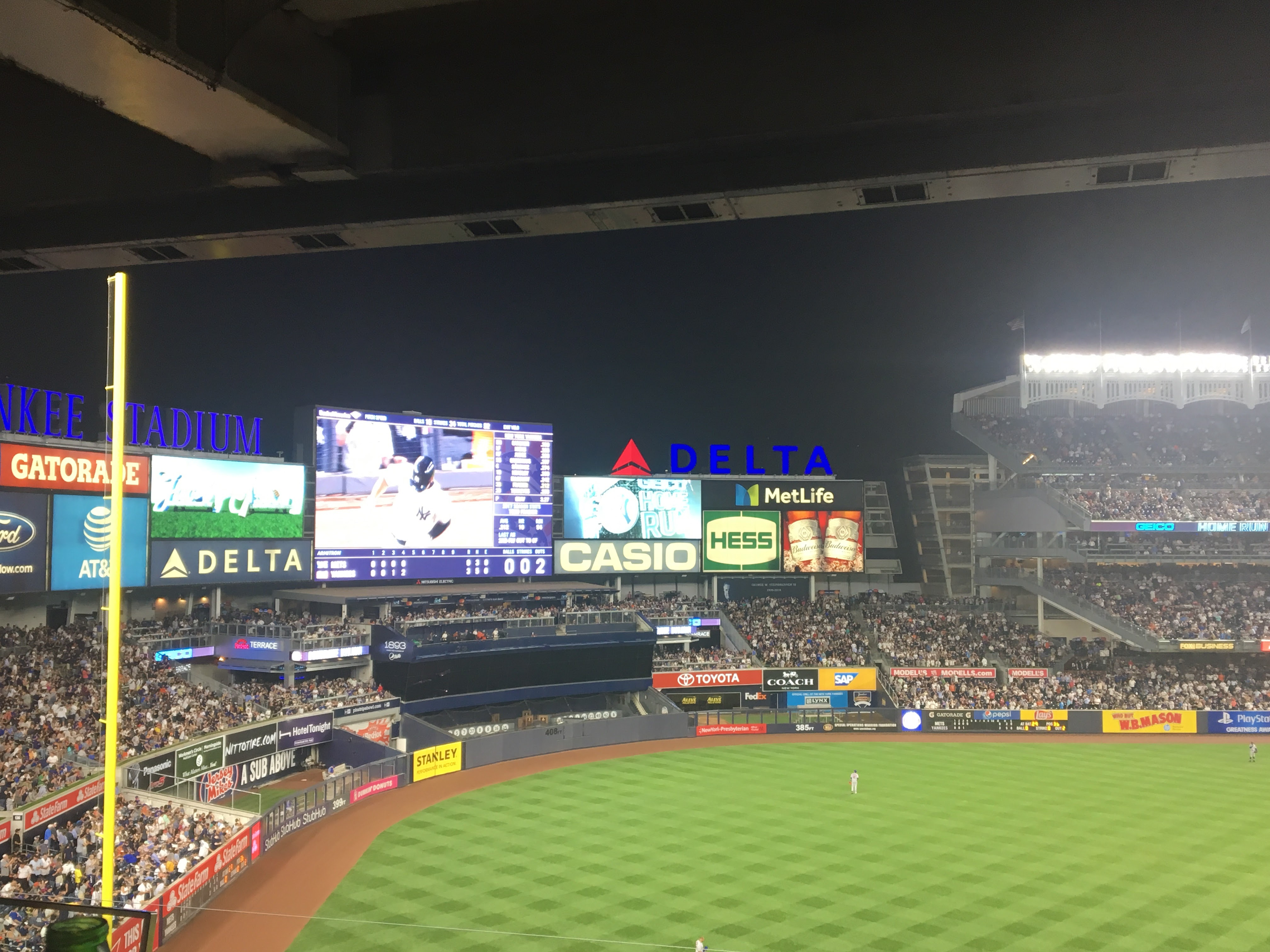 How Subway Squawkers invaded Yankee Stadium for the Subway Series