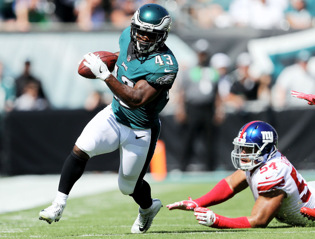 Report: RB Darren Sproles out for the year with torn ACL, broken arm