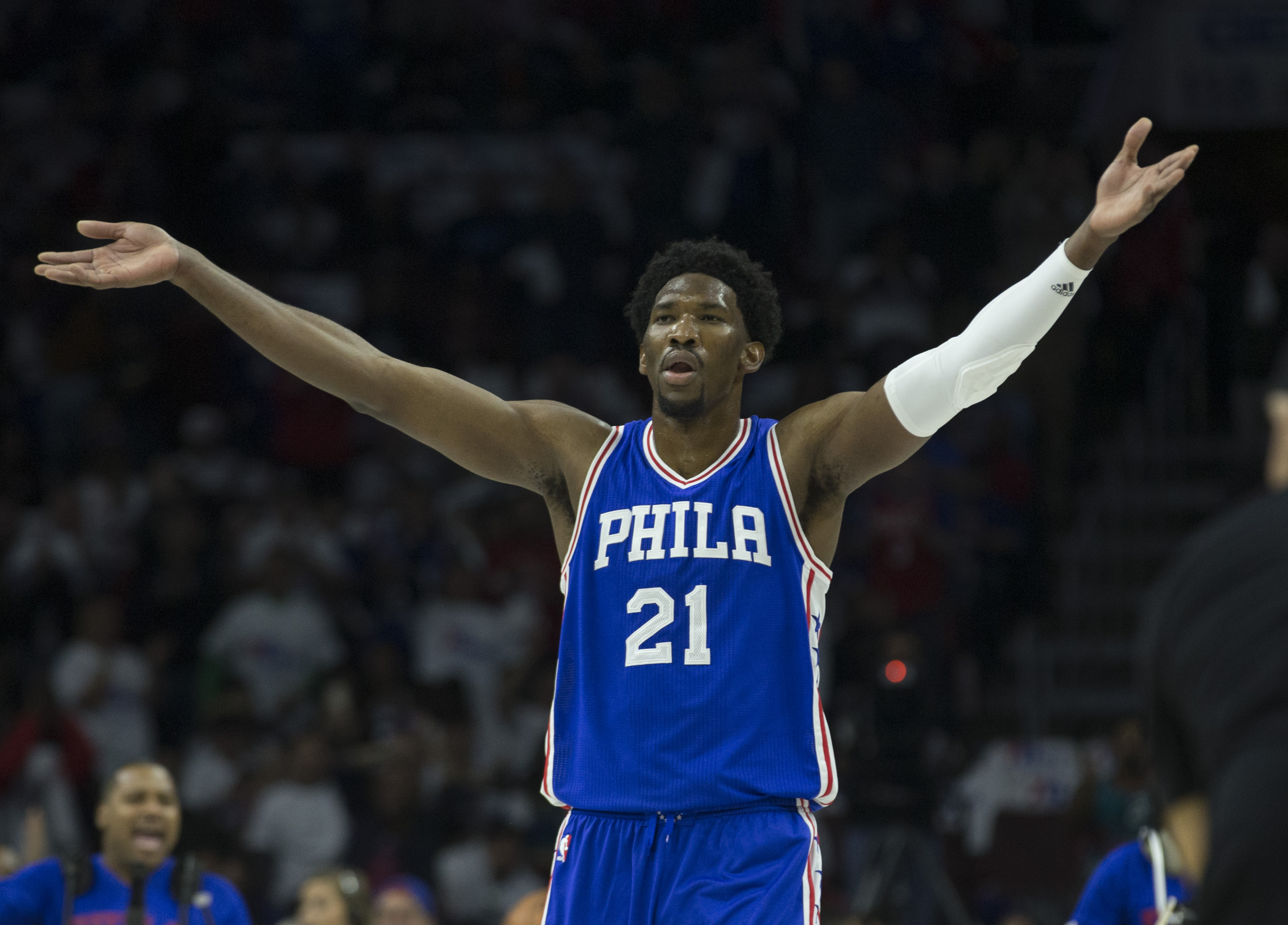 Sixers sign Joel Embiid to max rookie extension