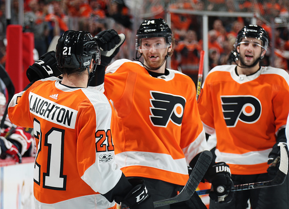 Analysis: Flyers beat Capitals 8-2 in home opener