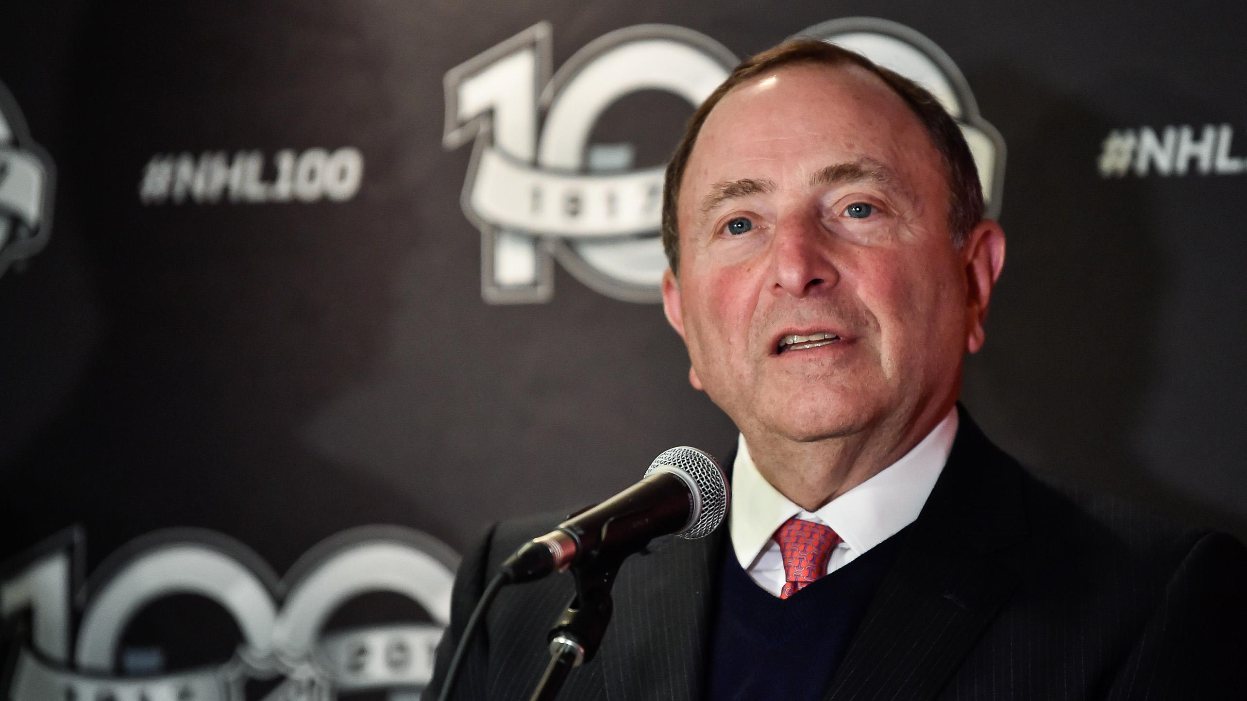 NHL Commissioner Bettman Reiterates Support for Isles' Belmont Bid