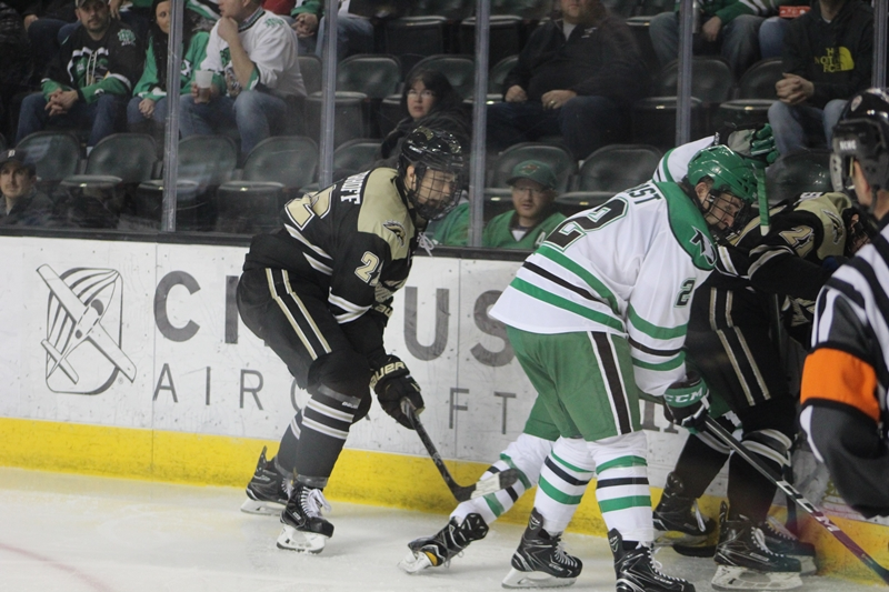 UND Hockey: It's a Good Time for the Break