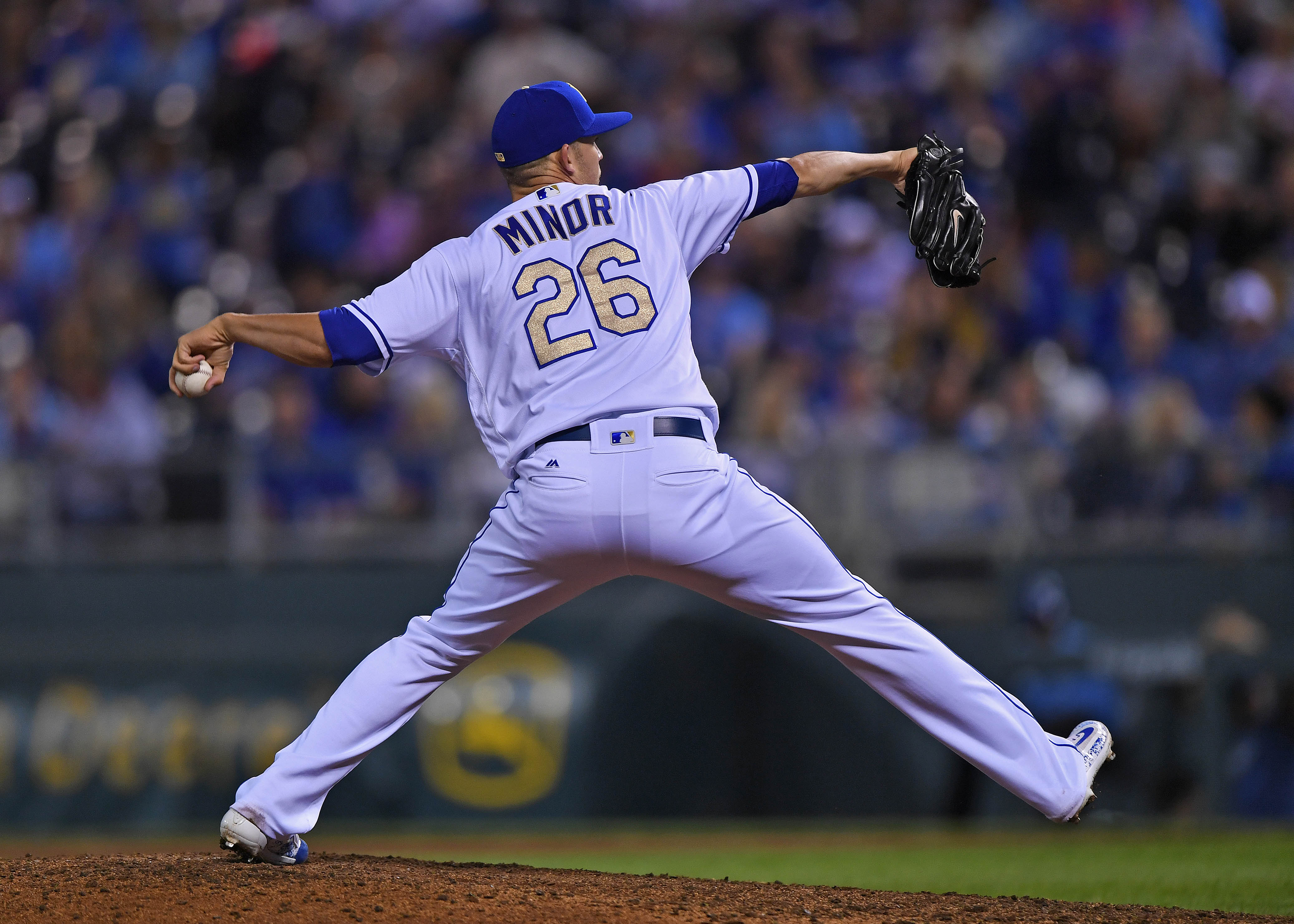 New York Mets' Target Mike Minor Signs With Texas Rangers