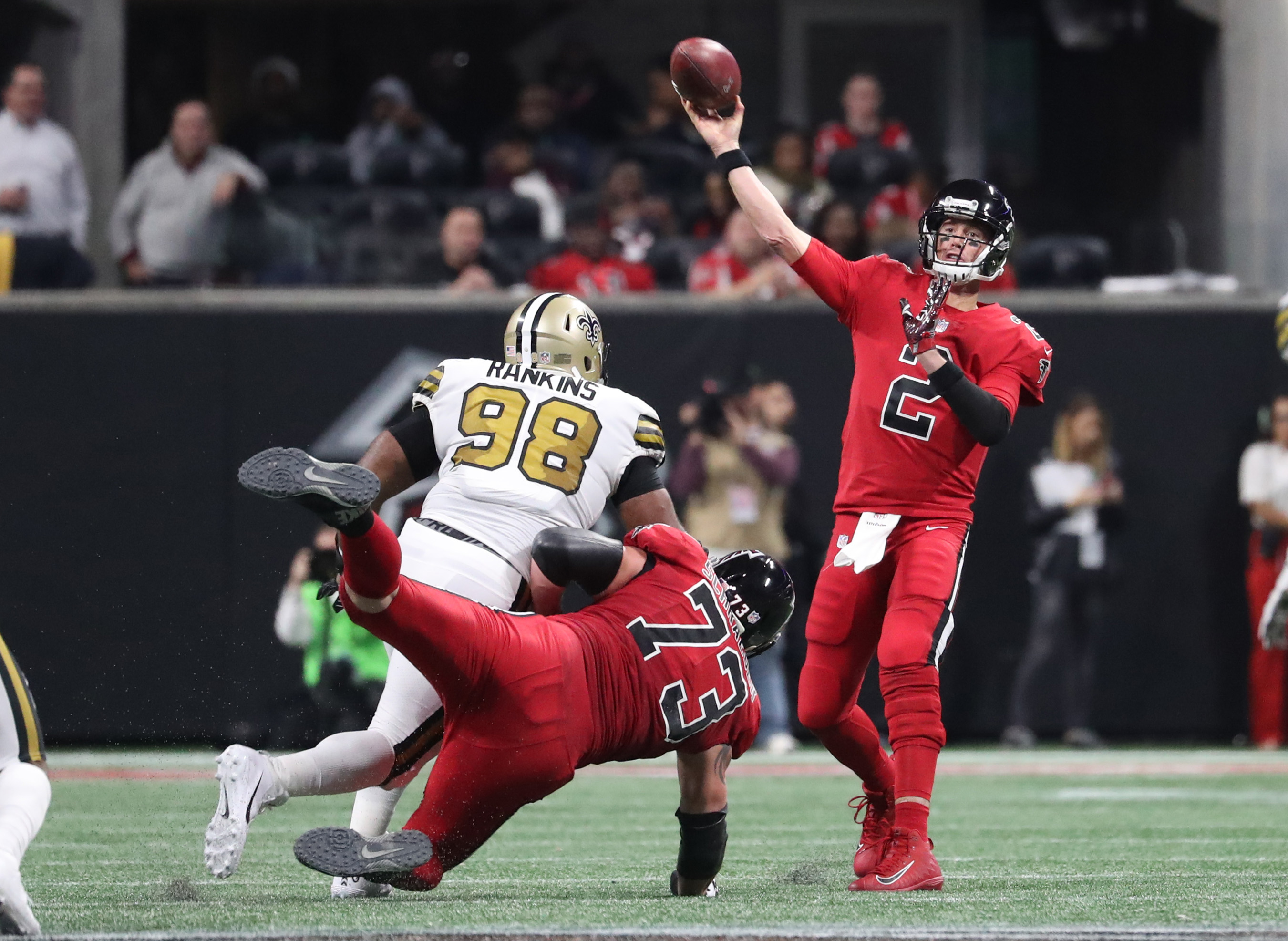 Falcons Beat Saints, Rashad Jennings Retires, Season Ticket Holder Becomes Emergency Goalie