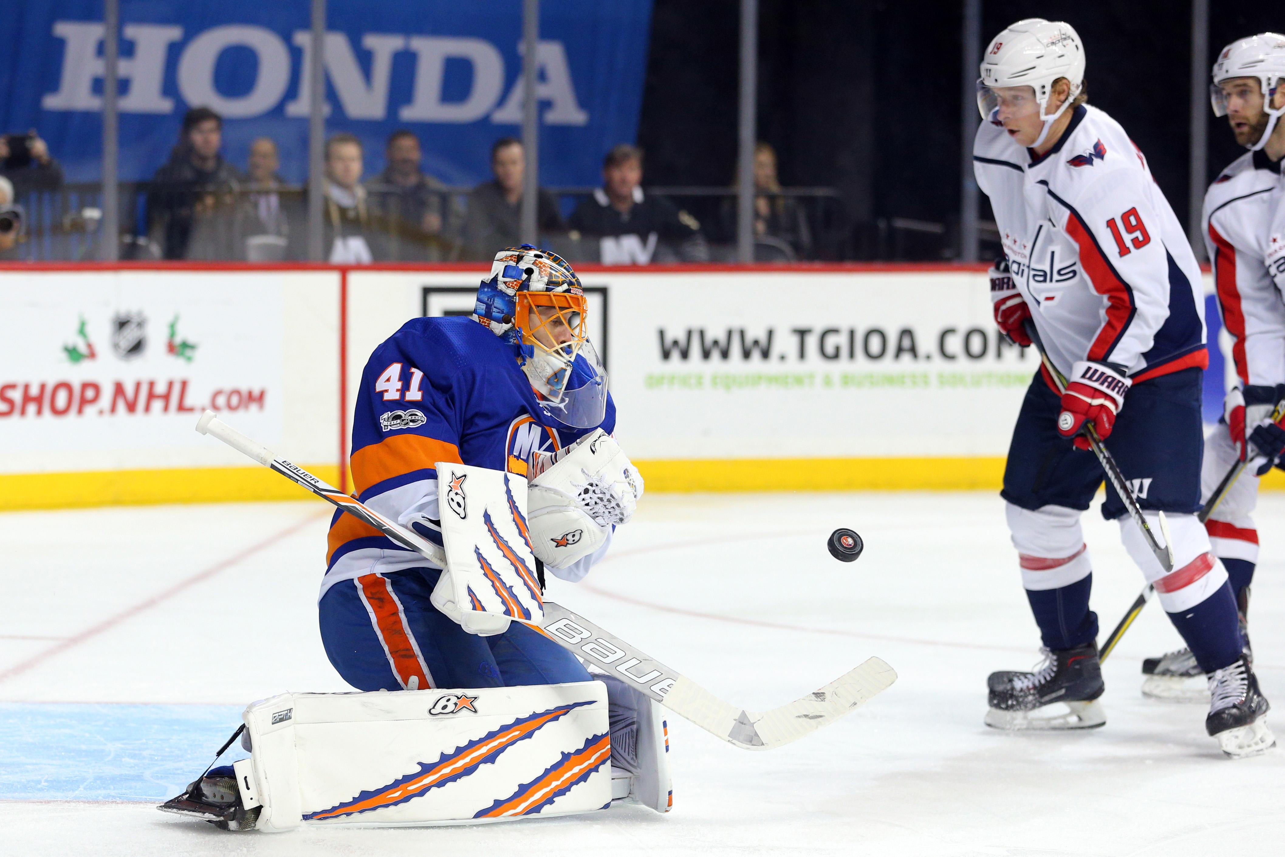 Halak Gives Islanders Much Needed Performance in Net