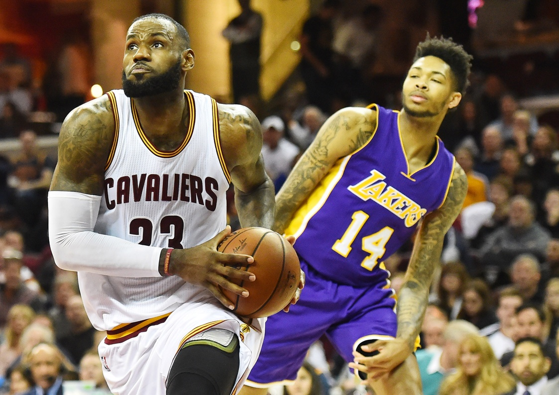 Los Angeles Lakers: Luring King James
