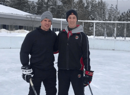 """Sidney Crosby Spent Time During His """"Bye Week"""" Skating With Some Random Kid In An Outdoor Rink In Quebec And Using His Girlfriend's Boots For Cone Drills"""