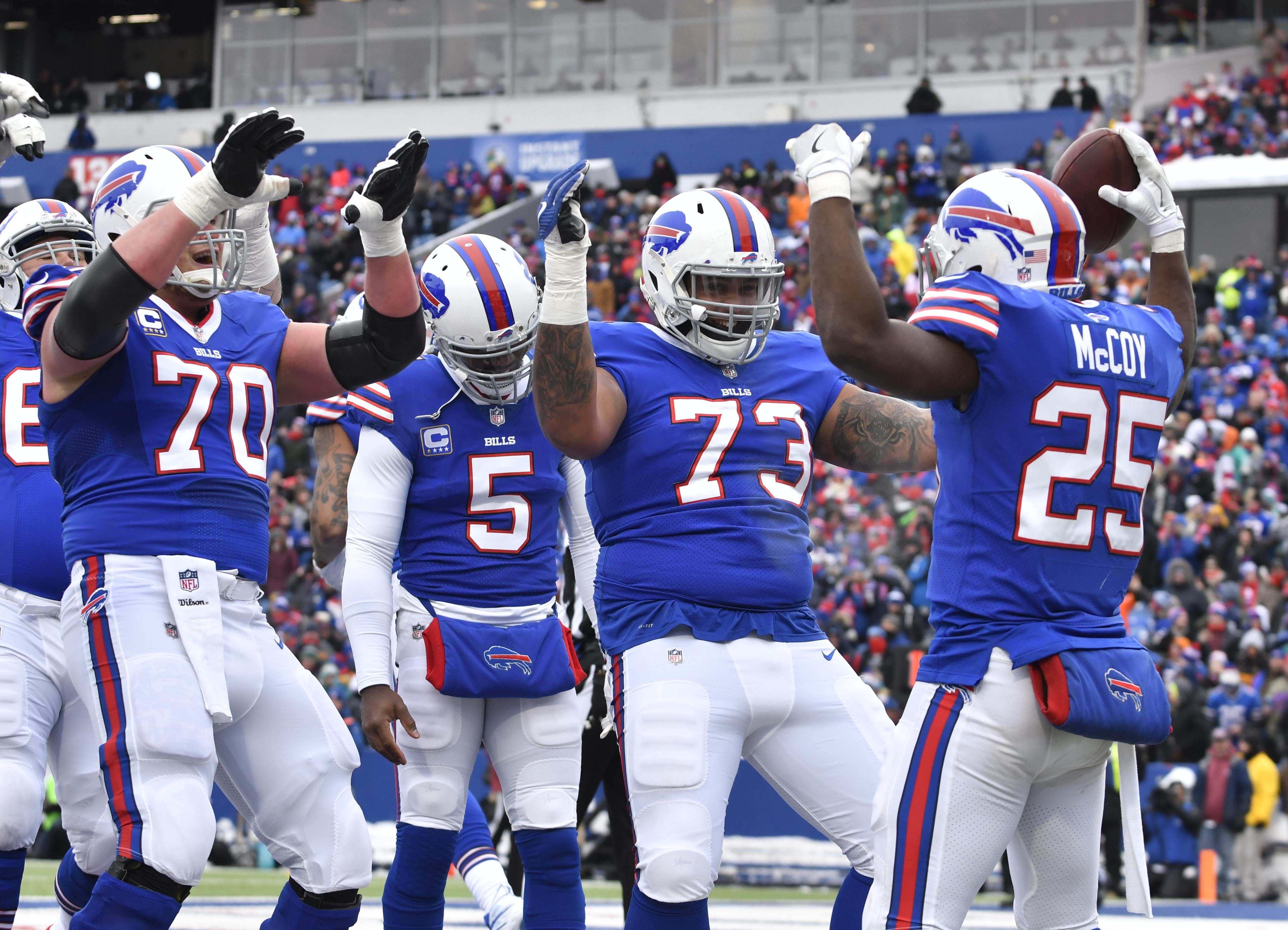 Bills - Jaguars PLAYOFFS predictions featuring @mack10zie, @mmigliore, @husaria, @evancdent and @rcanepac!