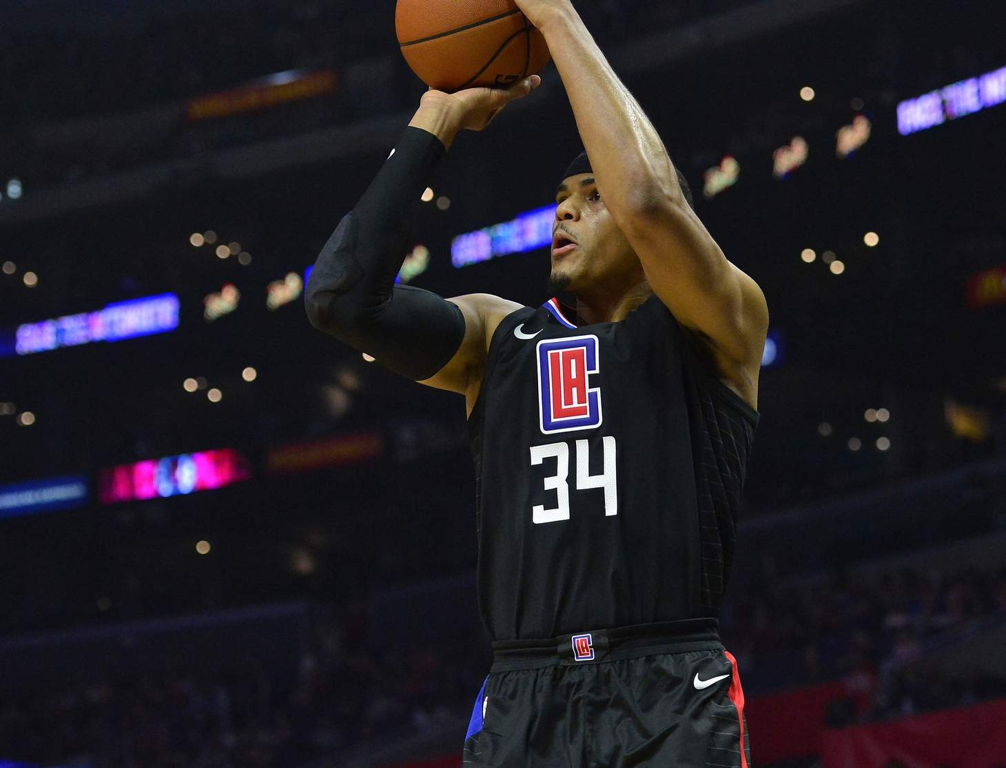 New Look Clippers Defeat Bulls 113-103