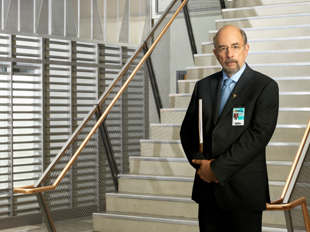 Richard Schiff praises Knicks' recent acquisitions, talks The Good Doctor role