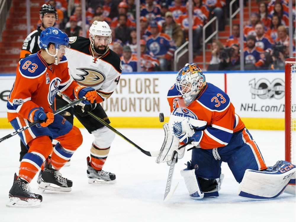 Oilers Trade Talbot To Flyers