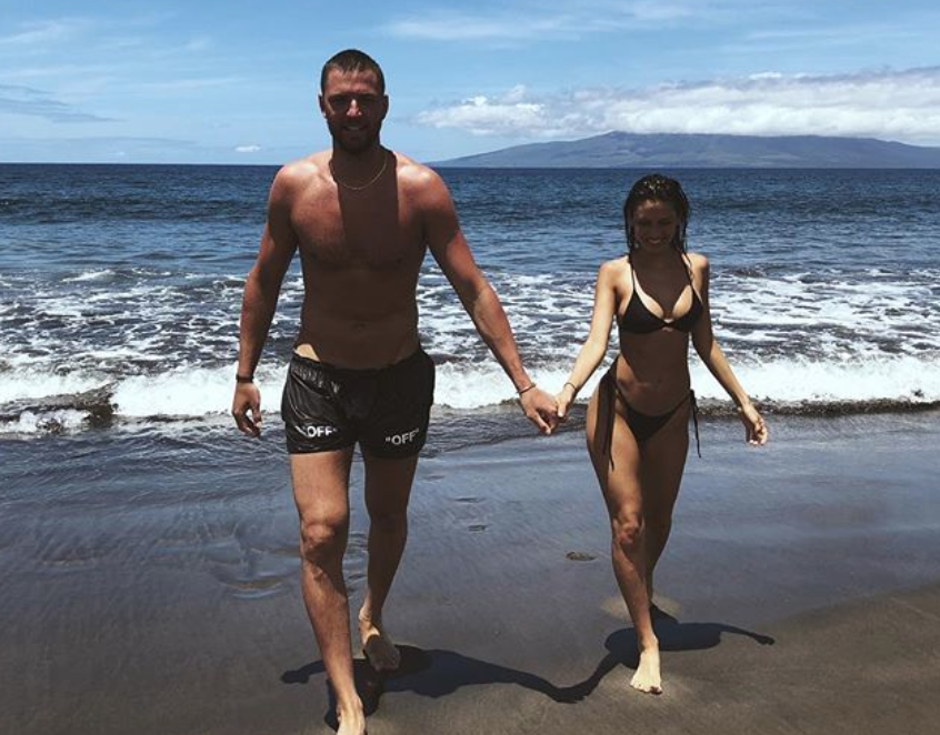 Chandler Parsons, girlfriend Cassie Amato hit the beach in Hawaii (PHOTOS)