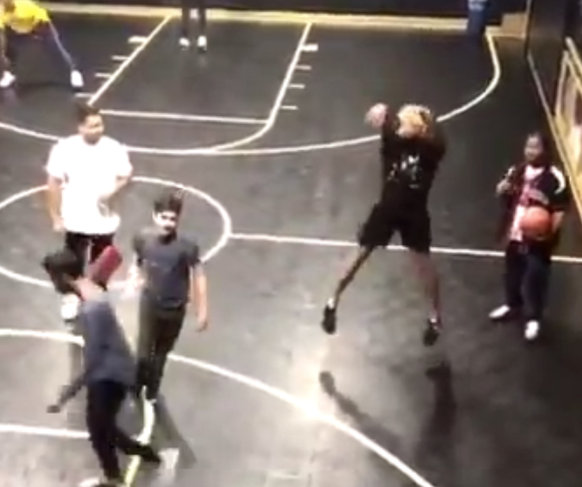 Take a look at Odell Beckham's odd Lonzo Ball-esque shooting form in pickup game
