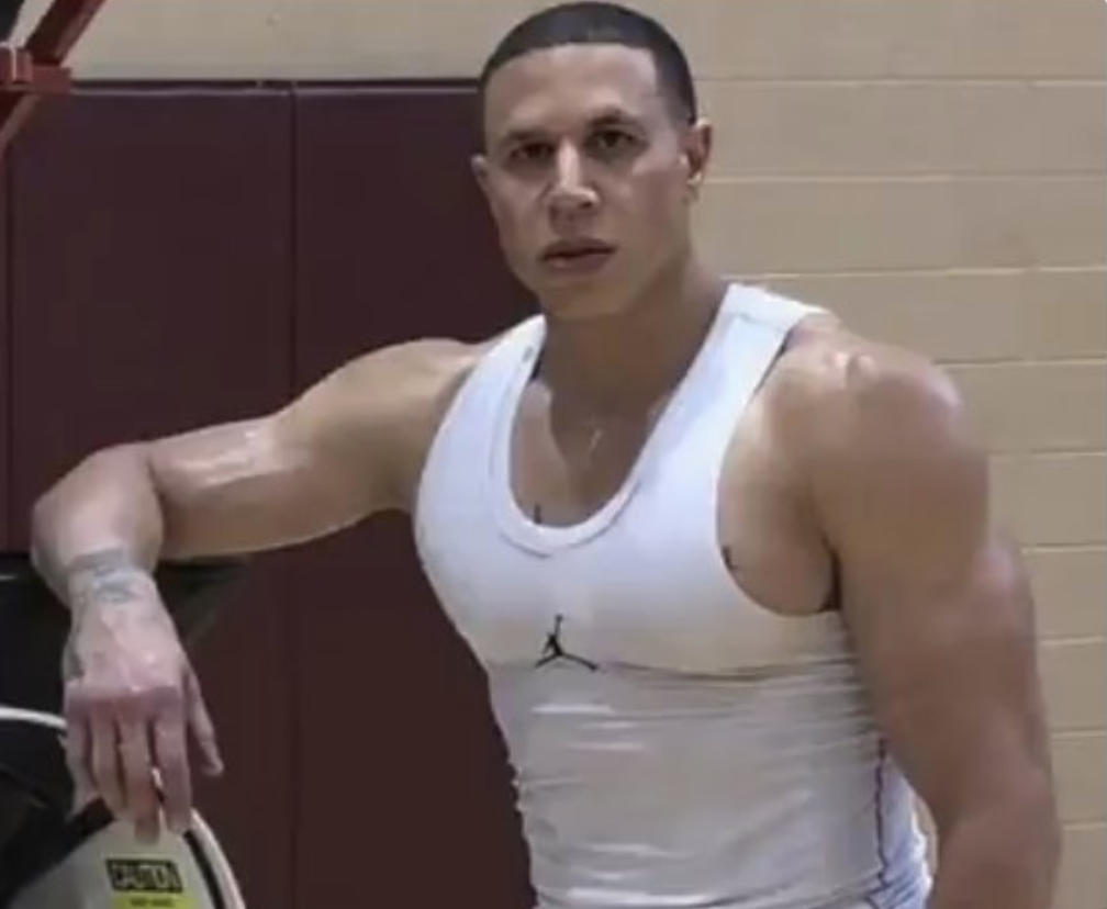 Mike Bibby is now jacked, and NBA fans are talking about it