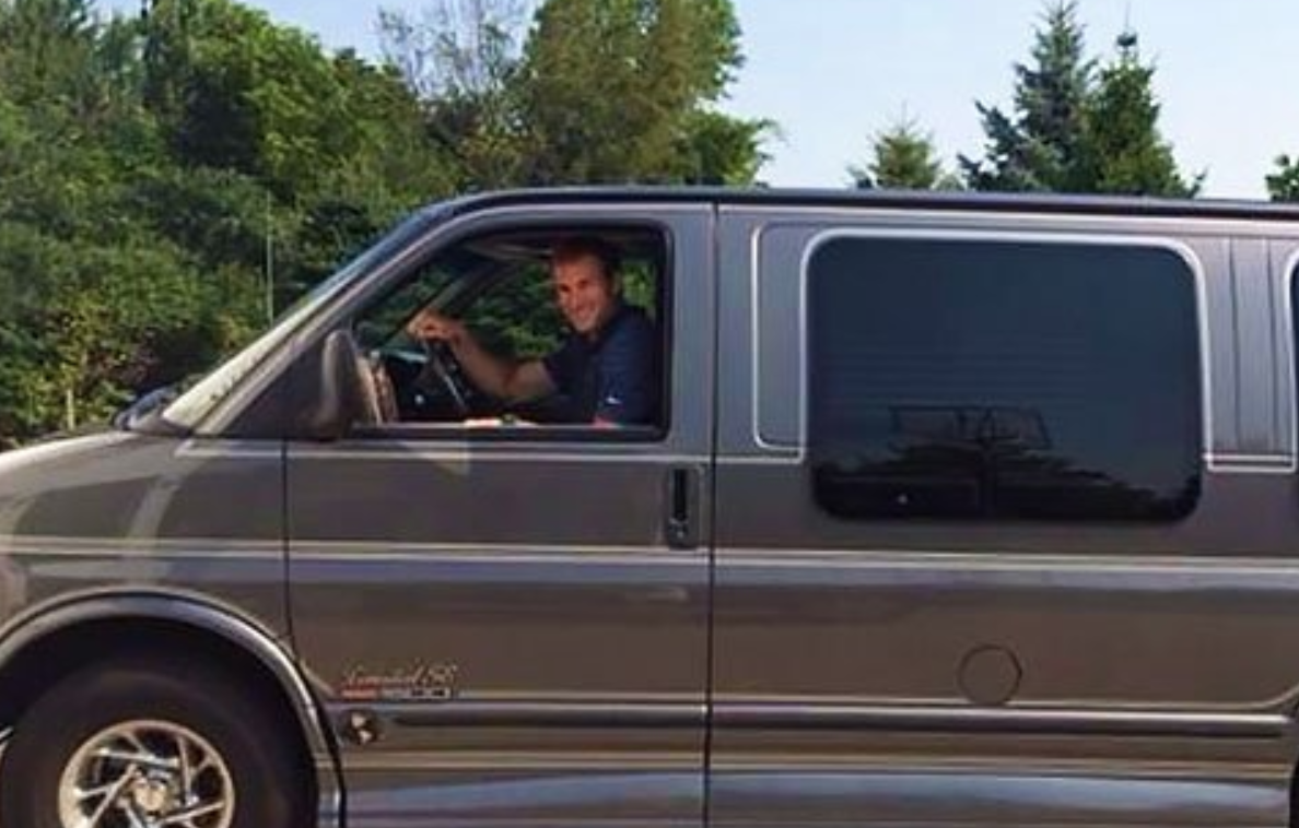 Look: Kirk Cousins drives an old, dad-style van, and you need to see it