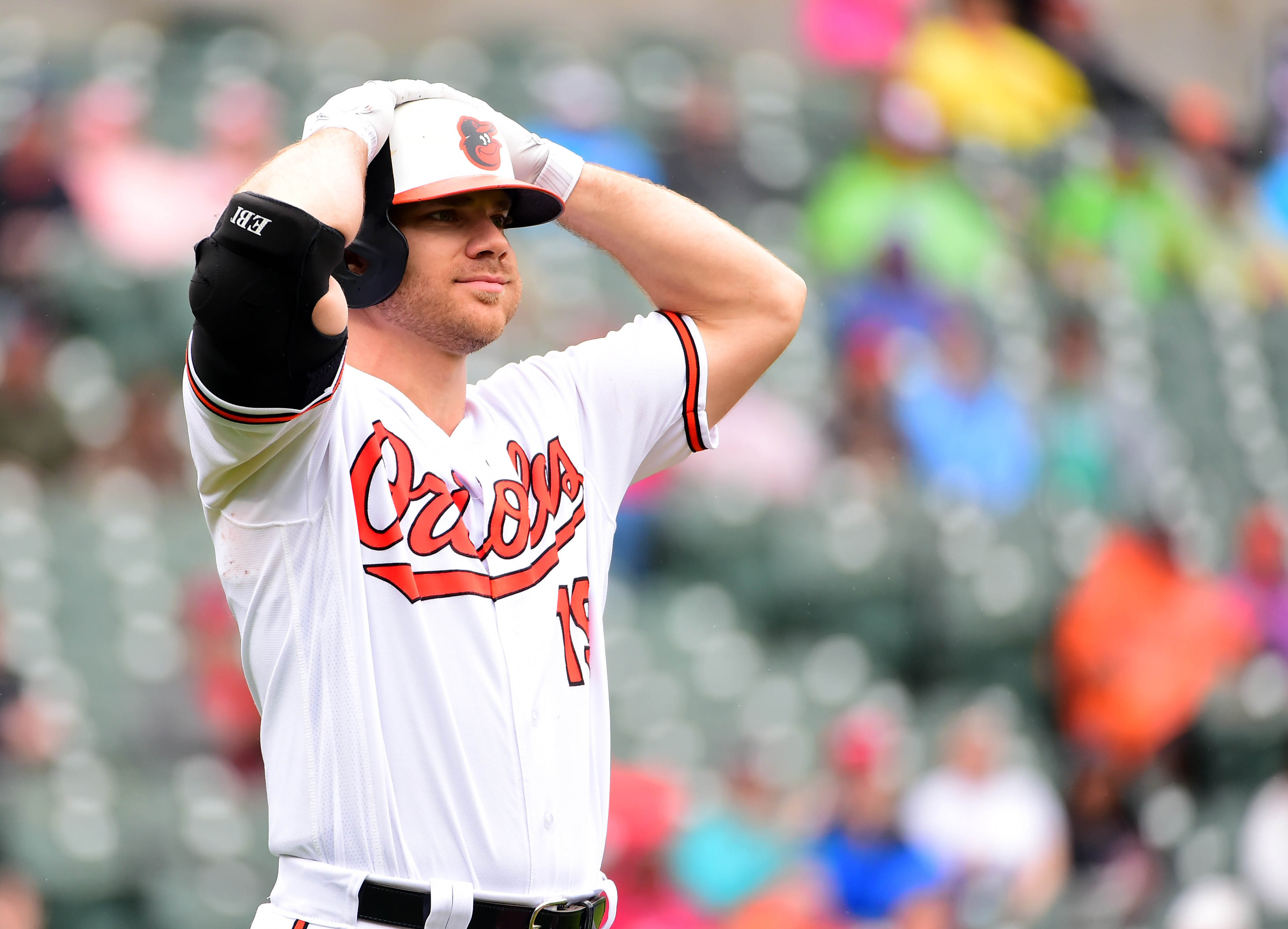 Baltimore bar to offer free shots for every Chris Davis hit