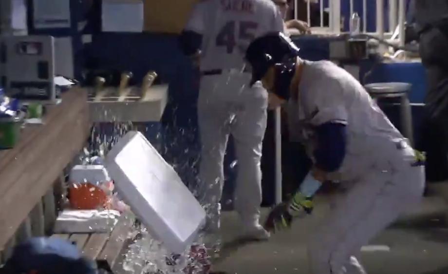 Watch Angry Carlos Gomez demolish Gatorade cooler in dugout