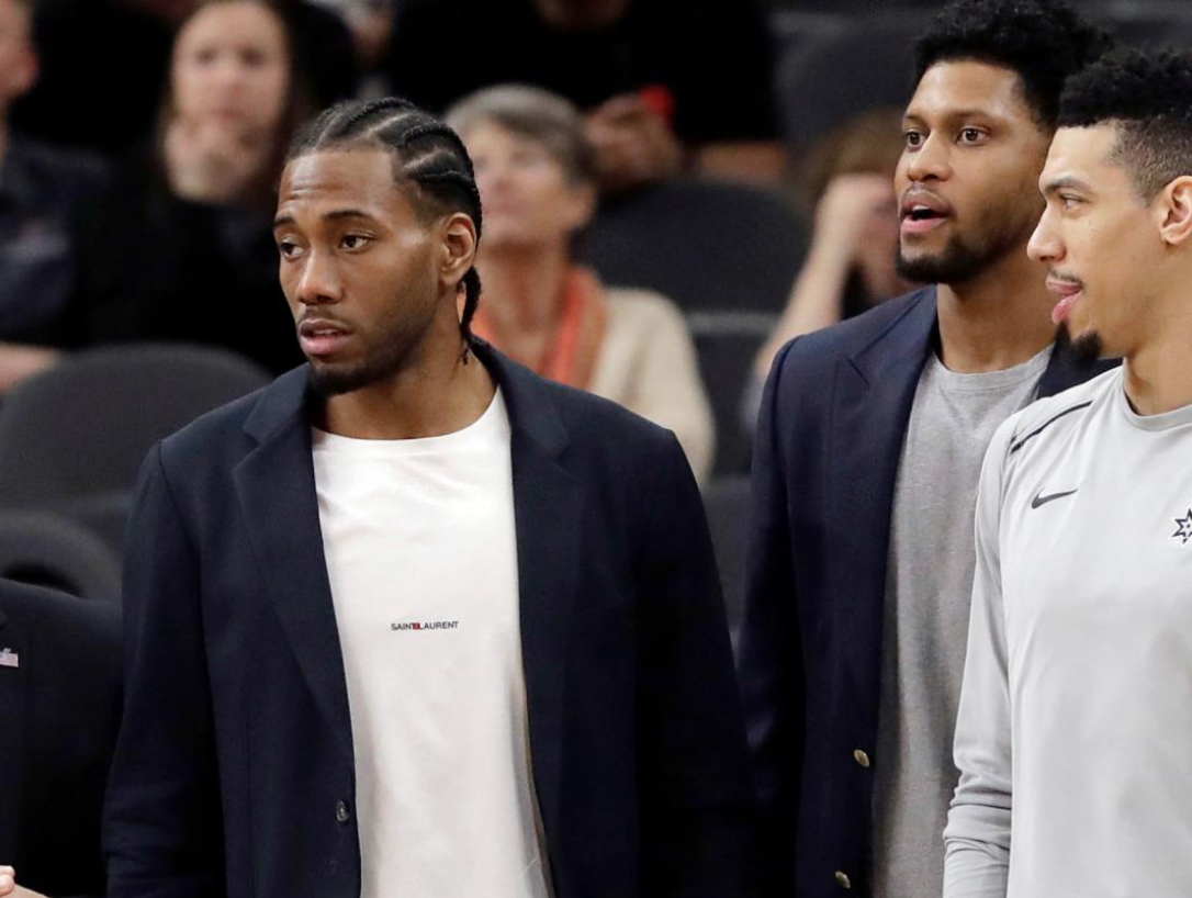 Look: Kawhi Leonard, Jonathon Simmons spotted together in Las Vegas