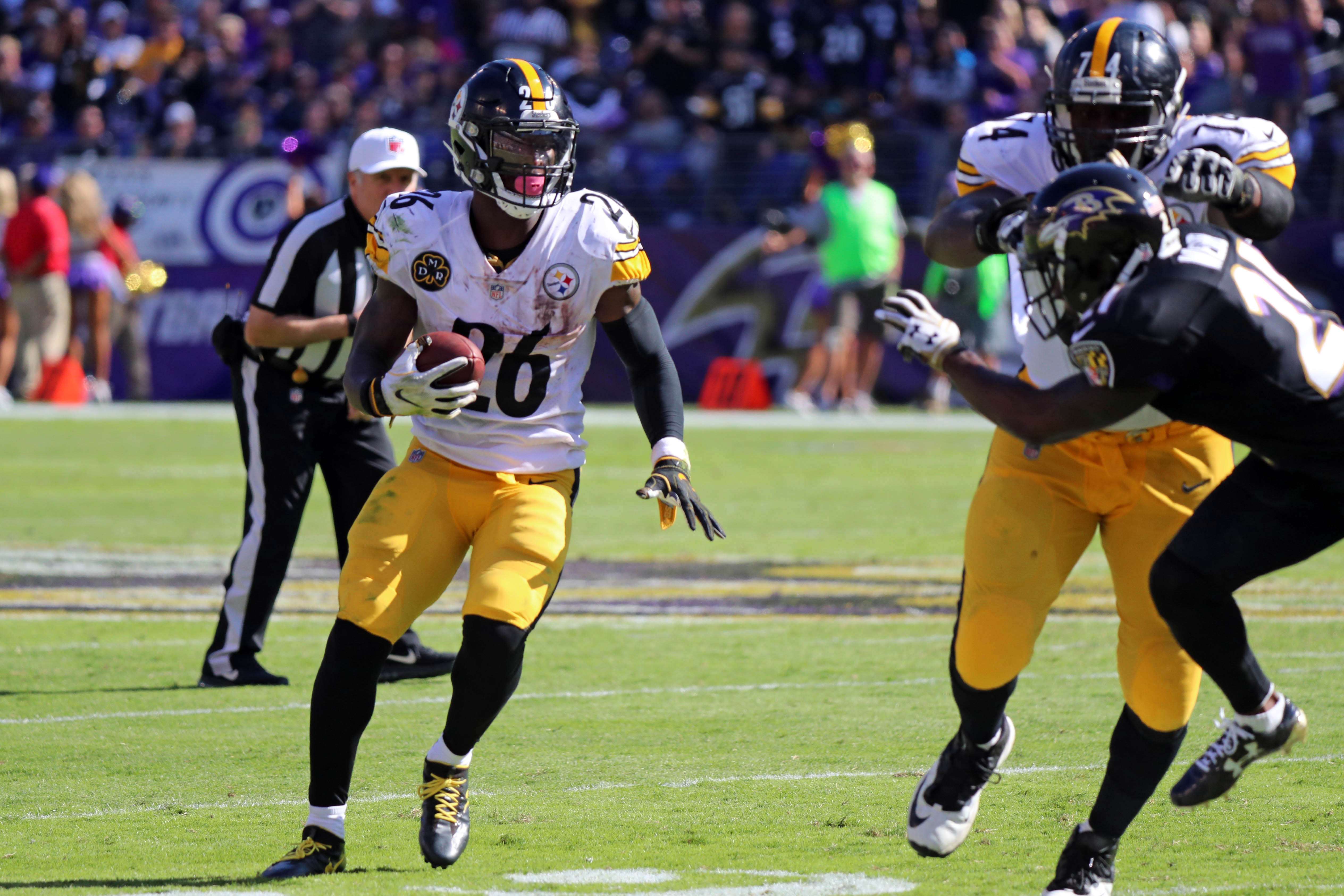 Is Le'Veon Bell the Best Running Back in the NFL?