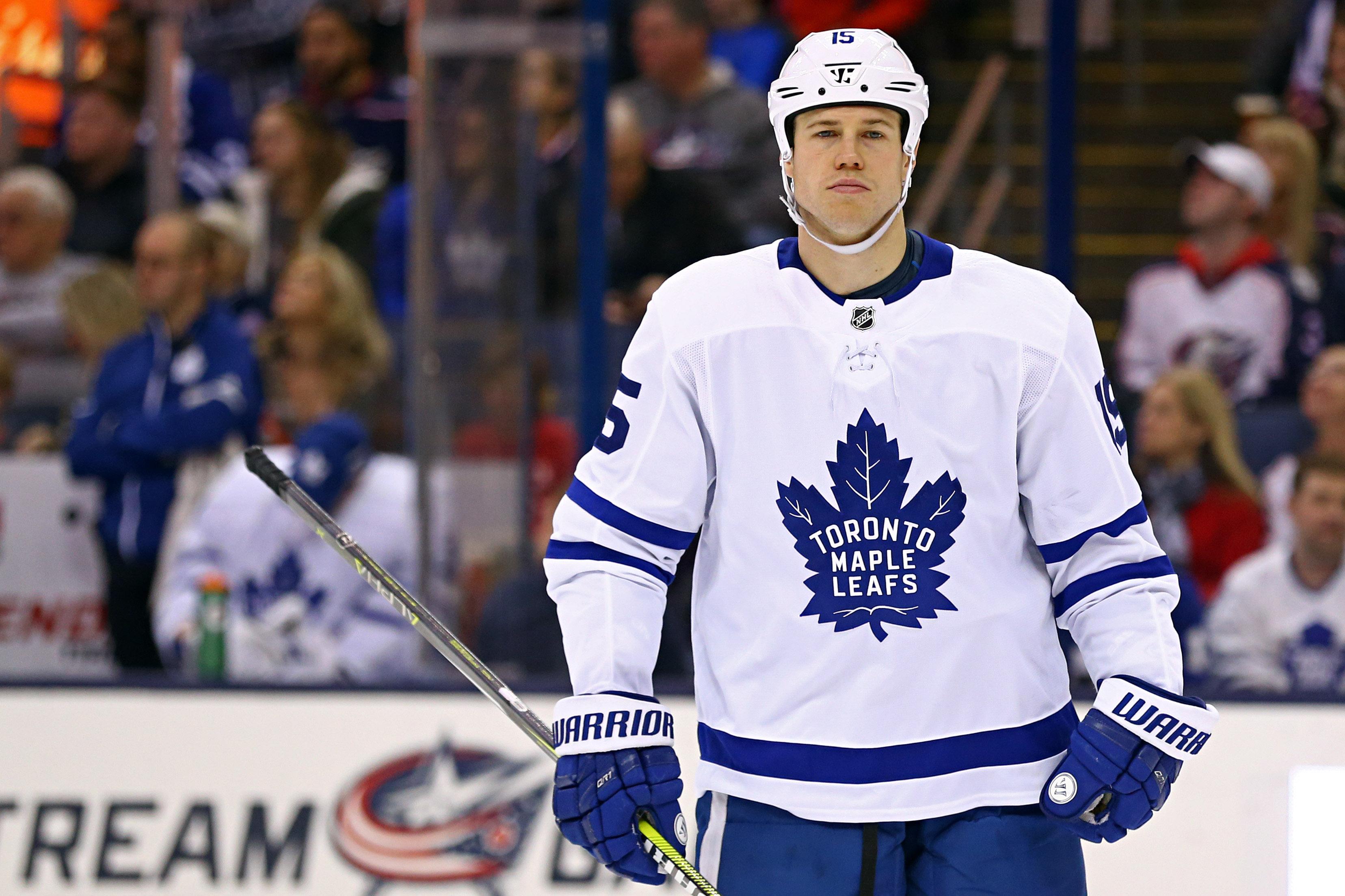 Islanders re-acquire Matt Martin from Maple Leafs