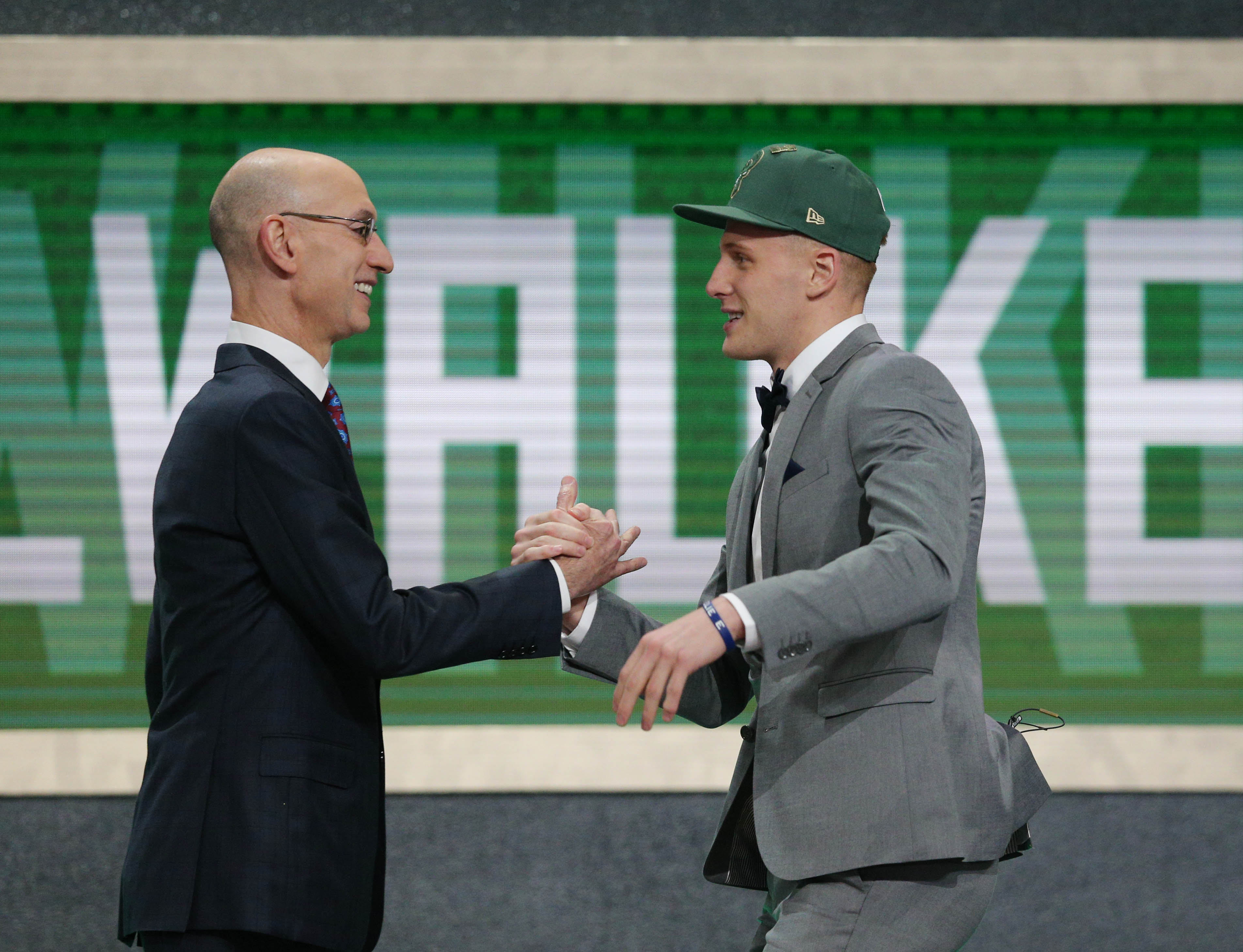 Look: Donte DiVincenzo's bank account is more barren than Bucks roster