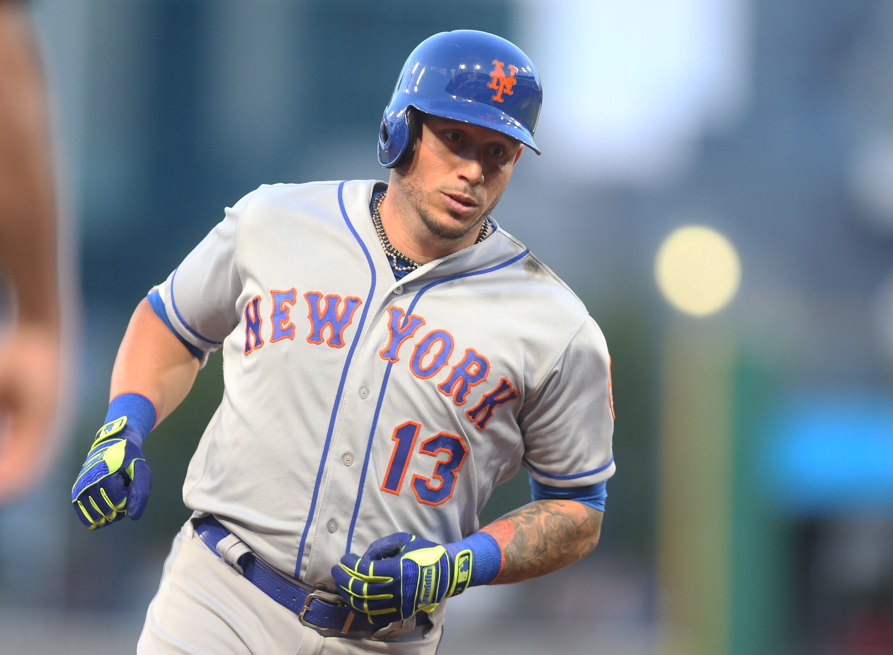 Diamondbacks sign third baseman Asdrubal Cabrera