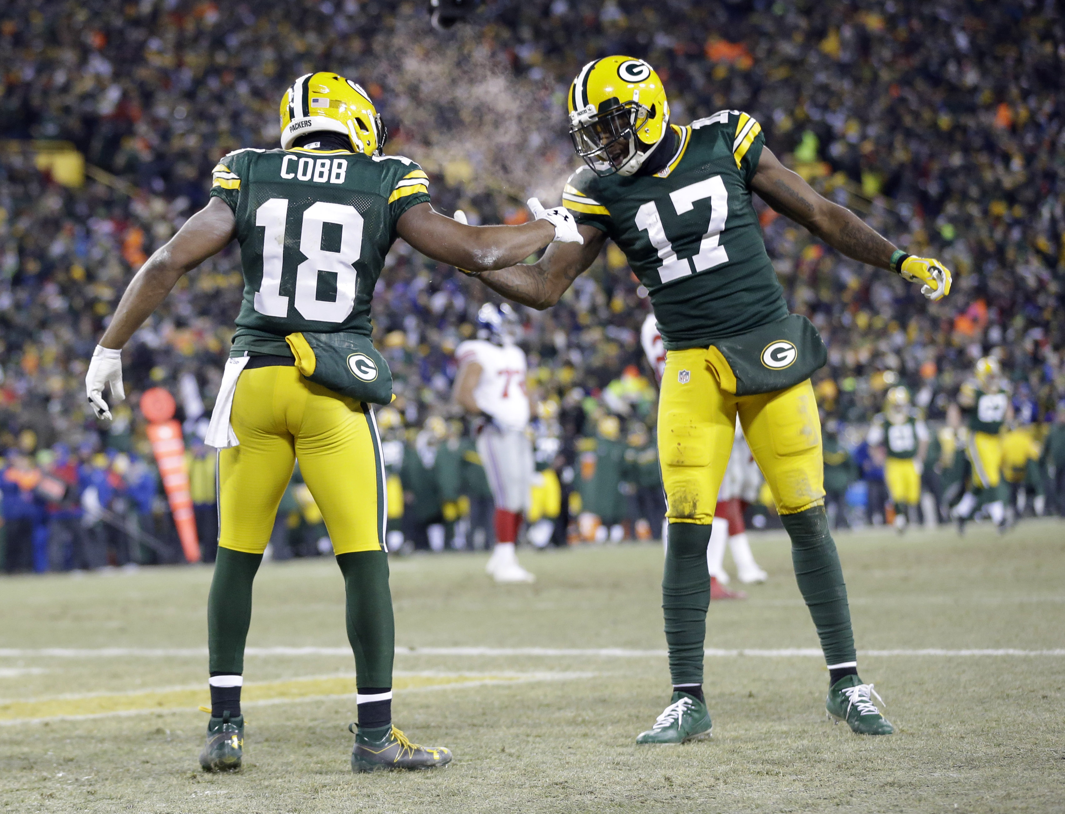 Packers Need Davante Adams, Randall Cobb to Stay Healthy in 2018