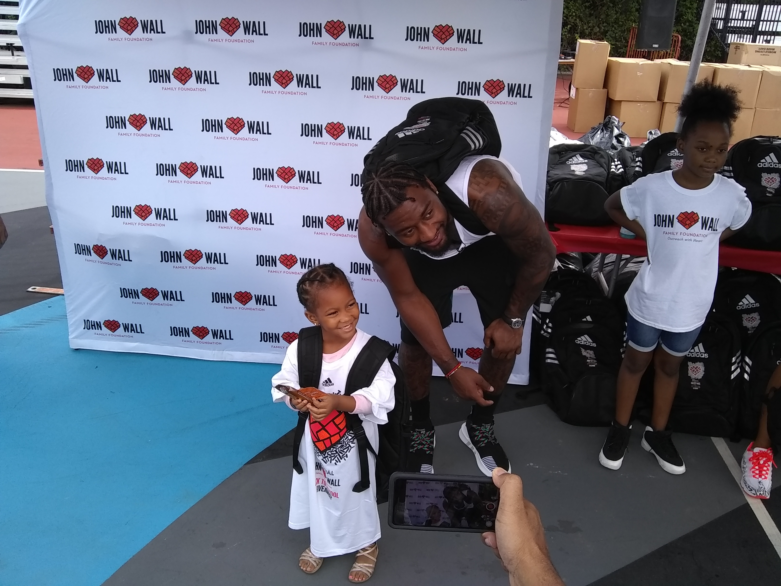 John Wall assists hundreds during his annual Backpack Giveaway