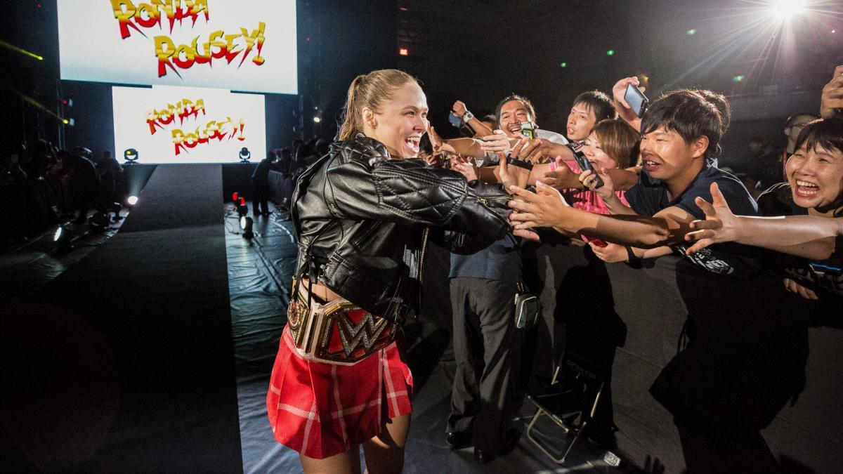 WATCH: WWE 'Raw' Women's Champion Ronda Rousey Debuts New Wrestling Move