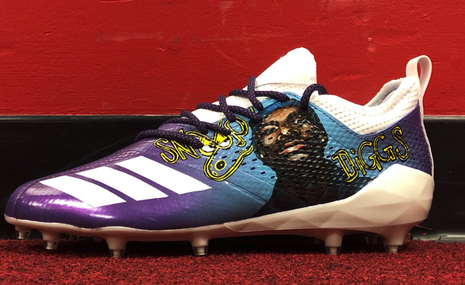 Check out Stefon Diggs' Snoop-inspired cleats for Rams game (Photo)