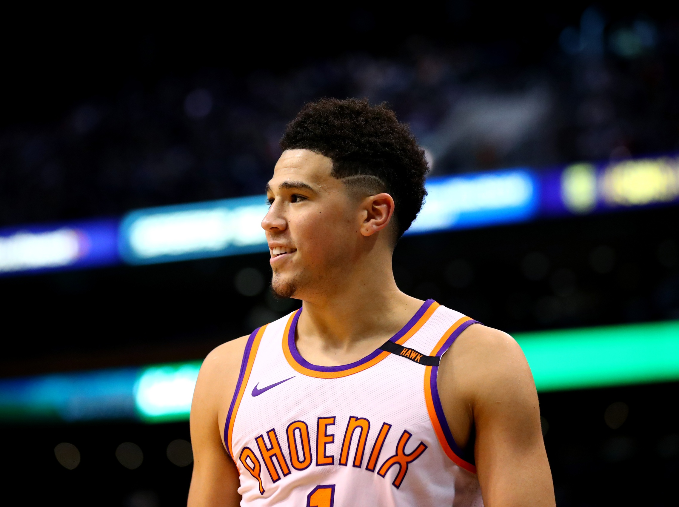 Devin Booker Out 6 Weeks After Undergoing Hand Surgery