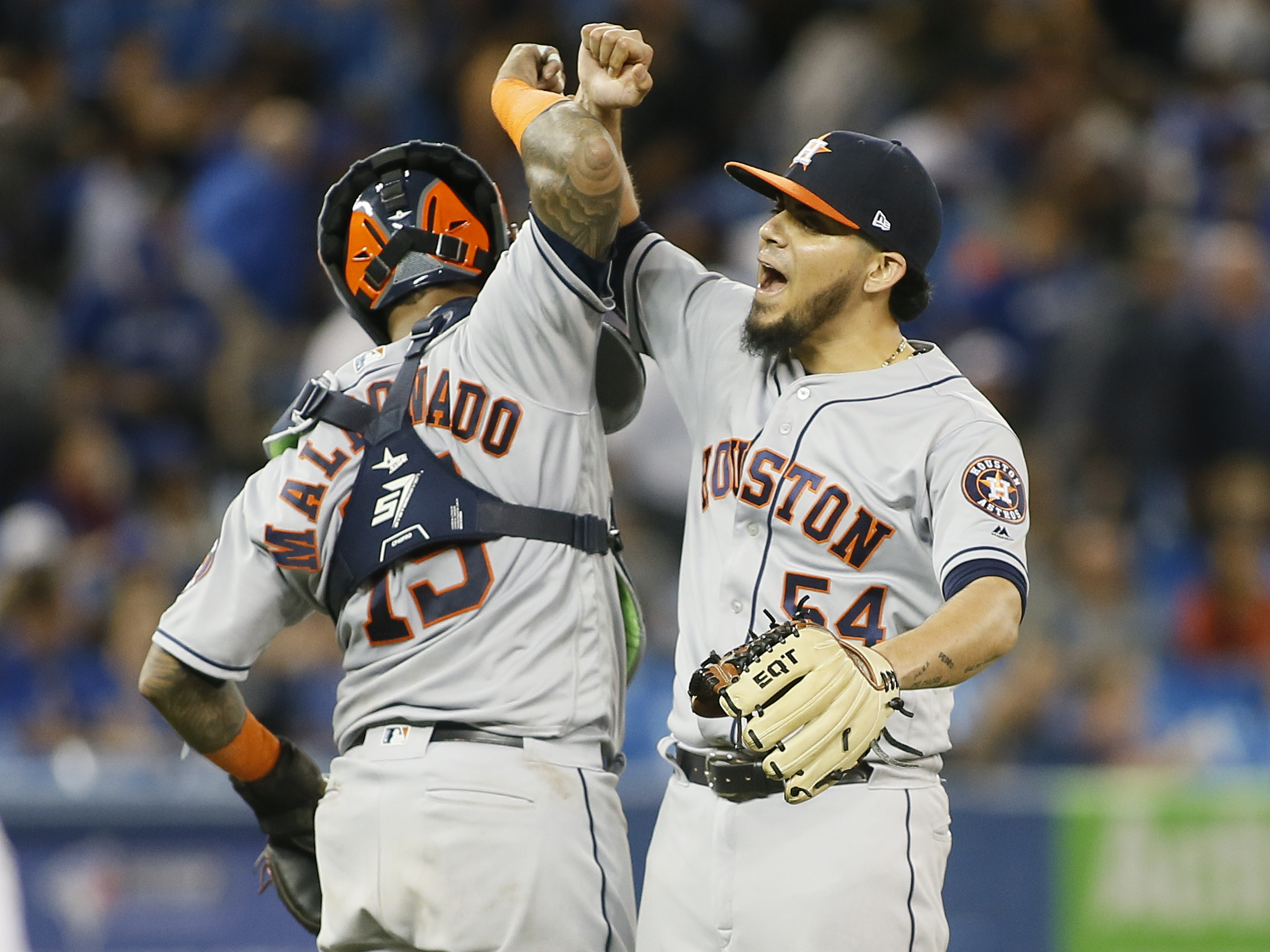 Thanks to an A's loss, the Astros clinch the AL West