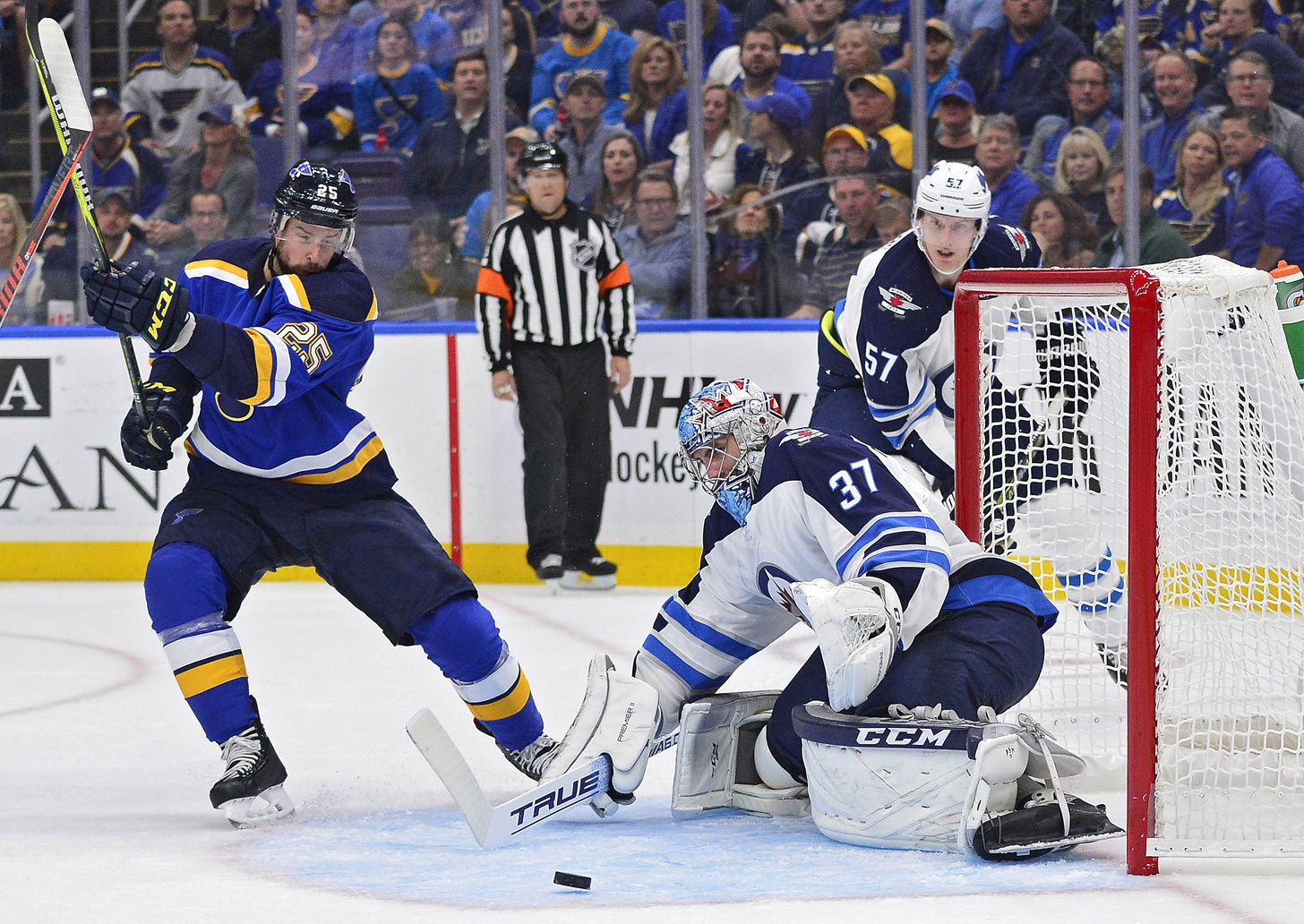 Blues debut revamped roster for opener, make same old mistakes